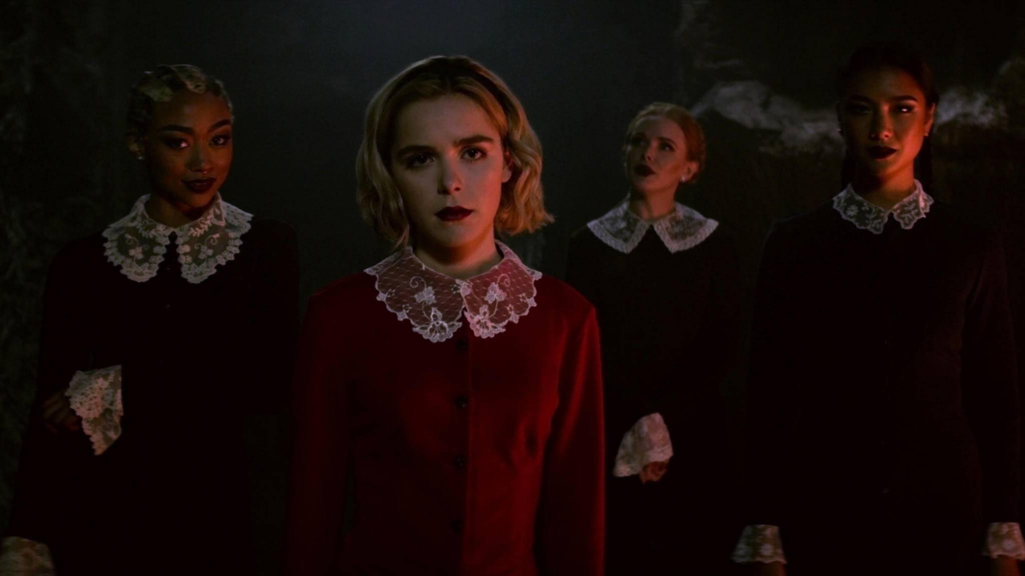 """Auch die """"Chilling Adventures of Sabrina"""" haben Netflix-User am liebsten am Stück geguckt."""
