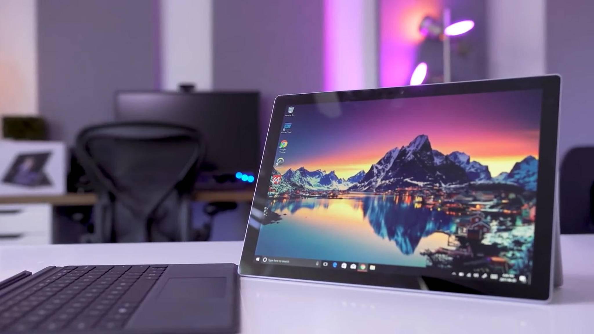 Microsofts nächstes Surface-Tablet wird zwei Bildschirme besitzen und faltbar sein.