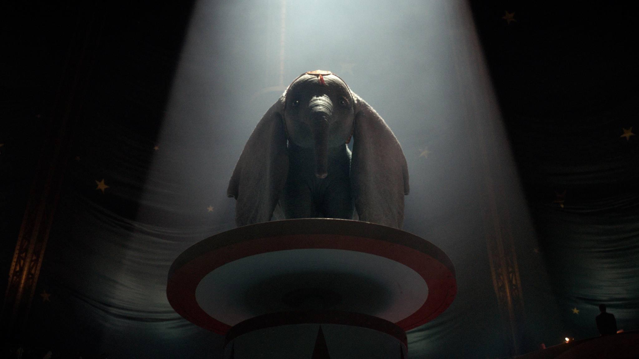 """""""Dumbo"""" wird bald zu einem Helden nach Tim-Burton-Manier."""