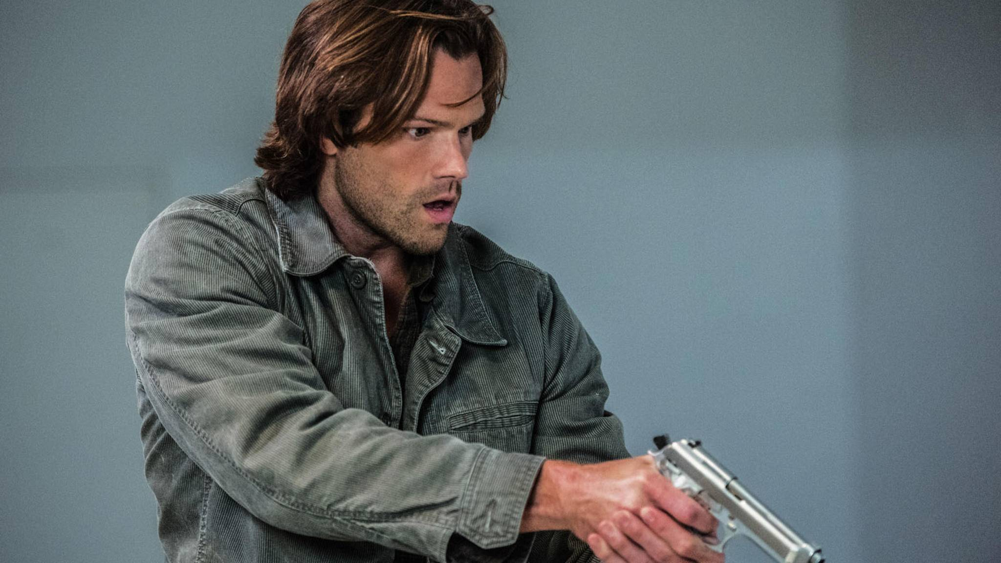 "Den Umgang mit Waffen beherrscht Jared Padalecki (hier in ""Supernatural"") schon mal."