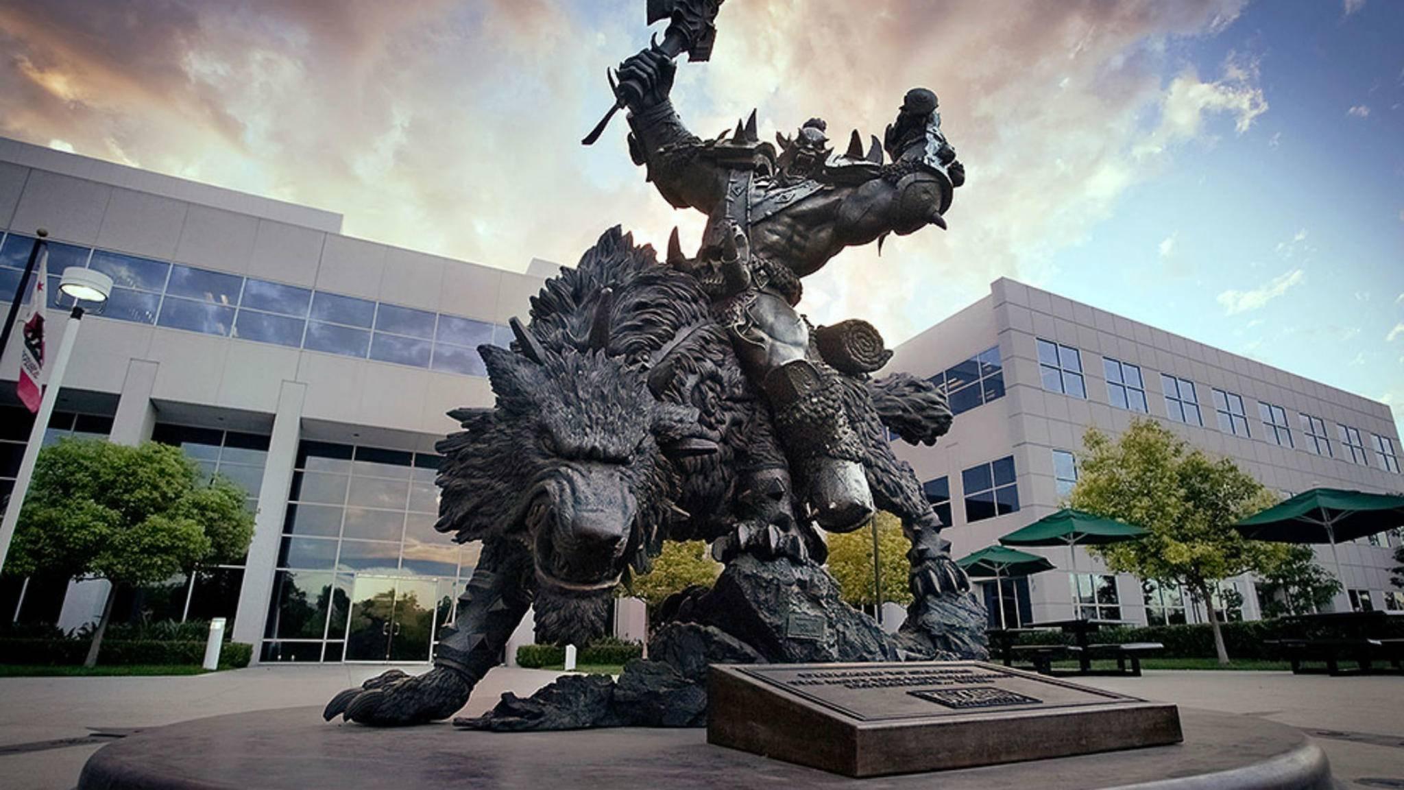 Die große Orc-Statue in der Blizzard-Firmenzentrale ist ein Poké Gym.