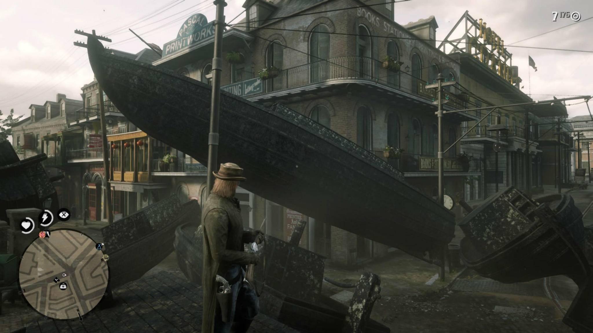 """Vorsicht, überall Boote! Ein kurioser Glitch in """"Red Dead Online"""" lässt klobige Wasserfahrzeuge in der Stadt auftauchen."""