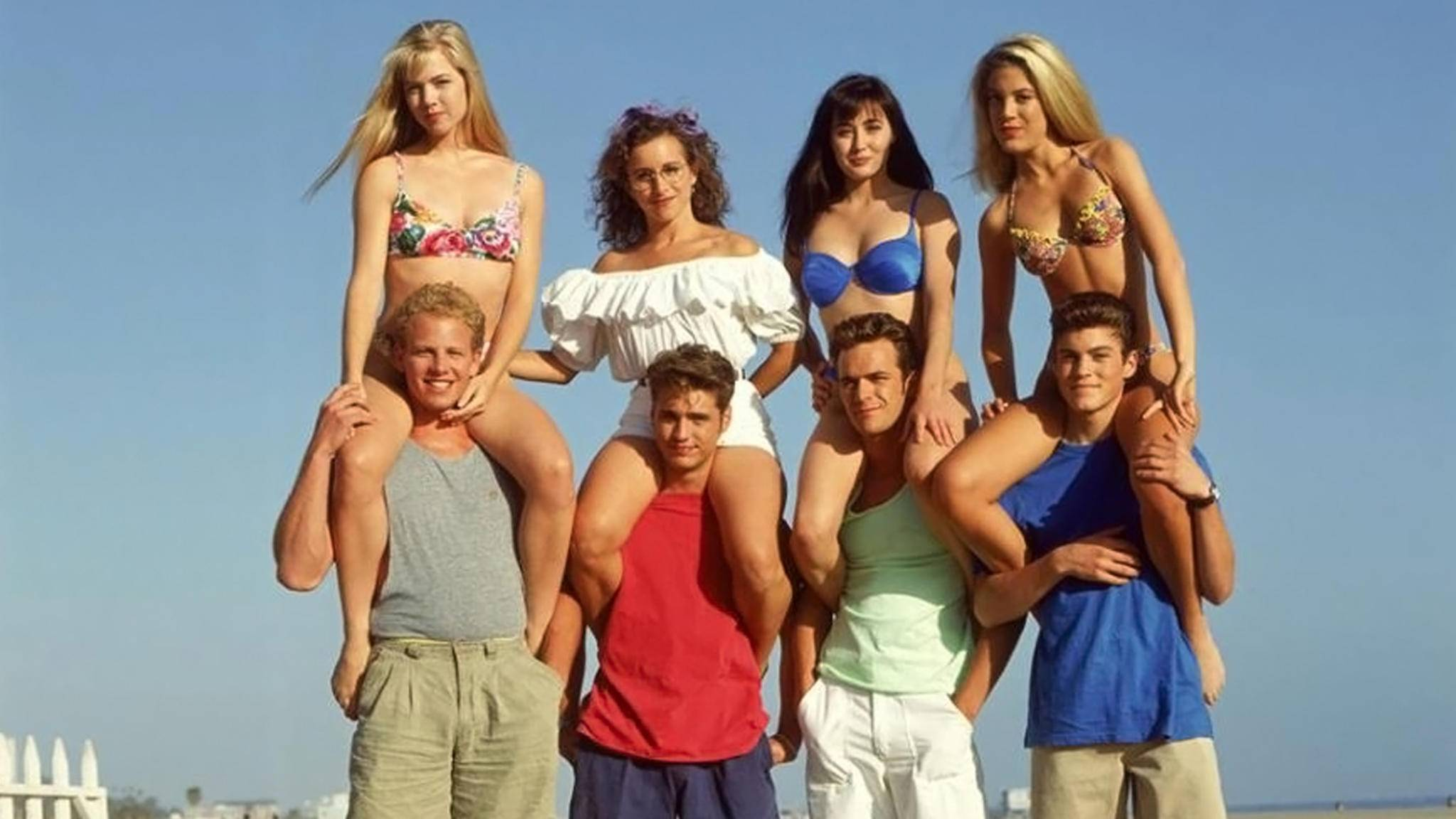 """Im Reboot von """"Beverly Hills 90210"""" sind fast alle Original-Stars wieder am Start."""
