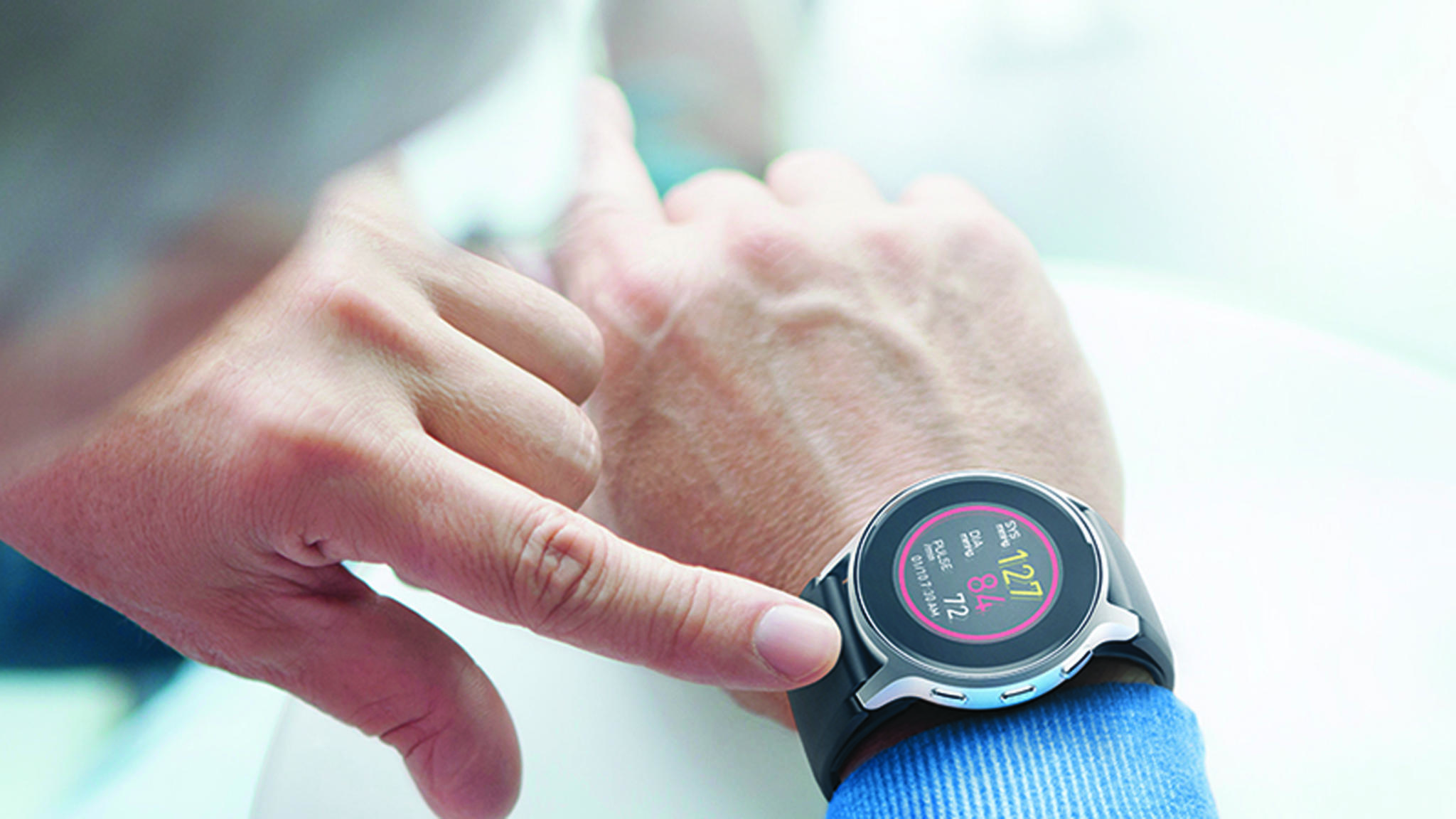 Omrons neuer HeartGuide hat jetzt den Segen der FDA.