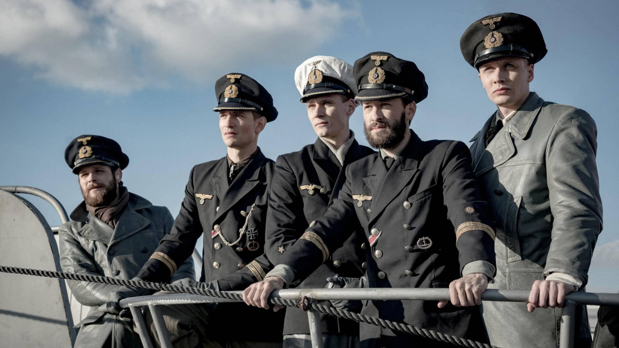 """Alle Mann an Deck – oder doch lieber auf Tauchstation gehen? """"Das Boot"""" meldet sich auf Sky als Serie zurück."""