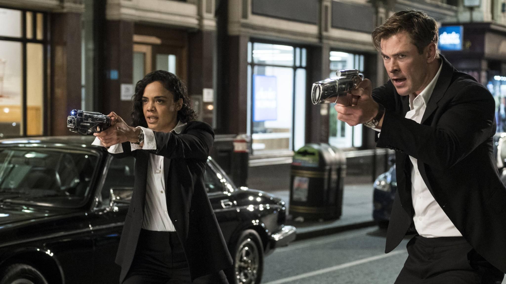 """Tessa Thompson und Chris Hemsworth verleihen """"Men in Black – International"""" trotz Drehbuch-Schwächen einen gewissen Charme."""