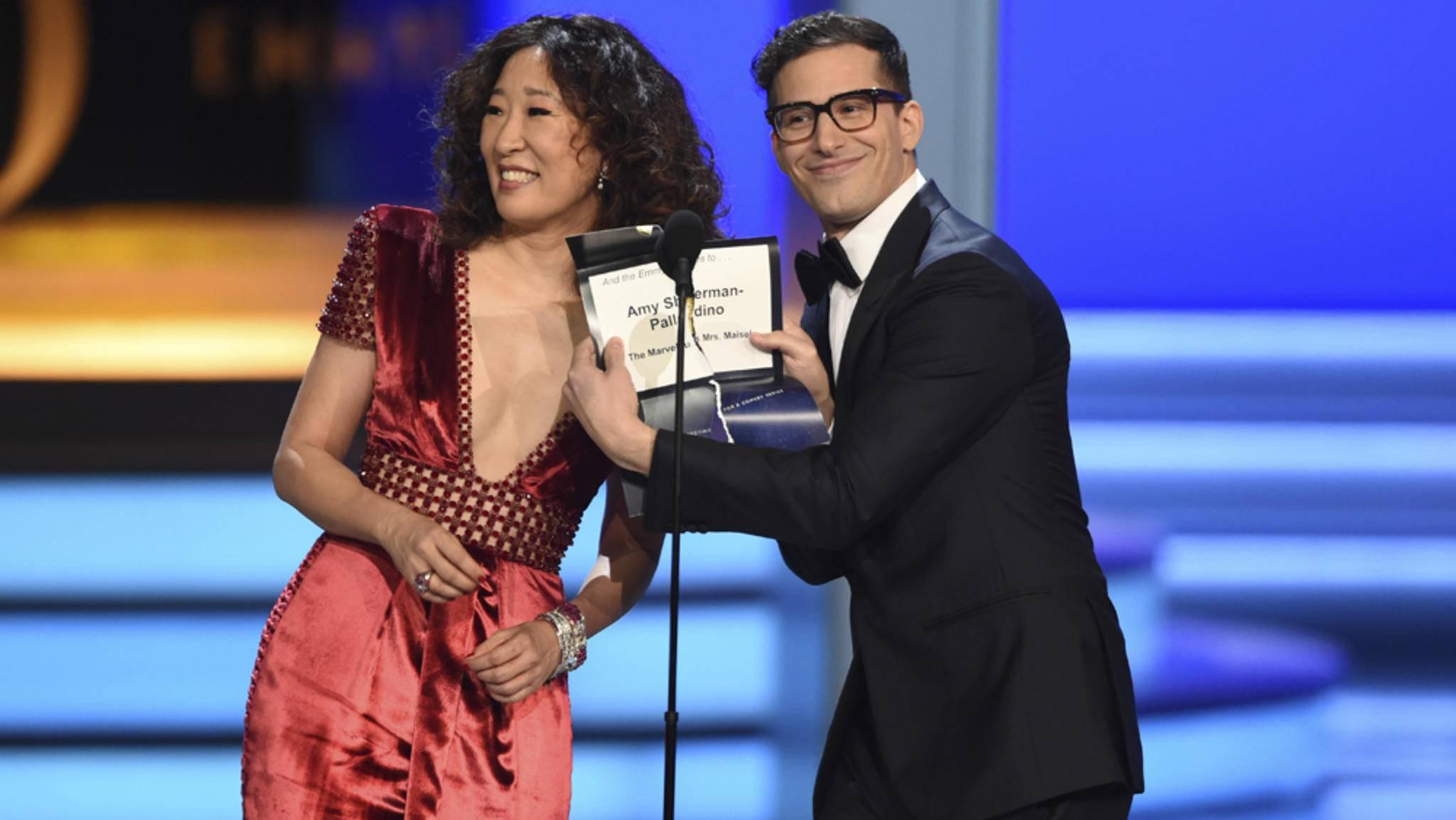 Schon bei den Emmys 2018 stellten Sandra Oh und Andy Samberg unter Beweis, dass sie ein gutes Host-Duo abgeben.