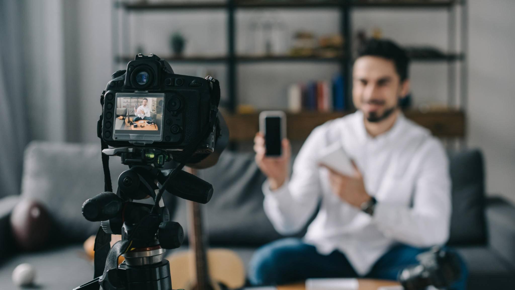 Fürs Vlogging braucht man die richtige Kamera – wir stellen passende Modelle vor.