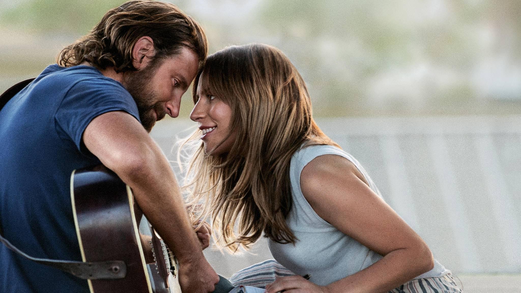 """Lady Gaga (hier zusammen mit Bradley Cooper in """"A Star is Born"""") blickt ihrem nächsten Filmprojekt entgegen."""