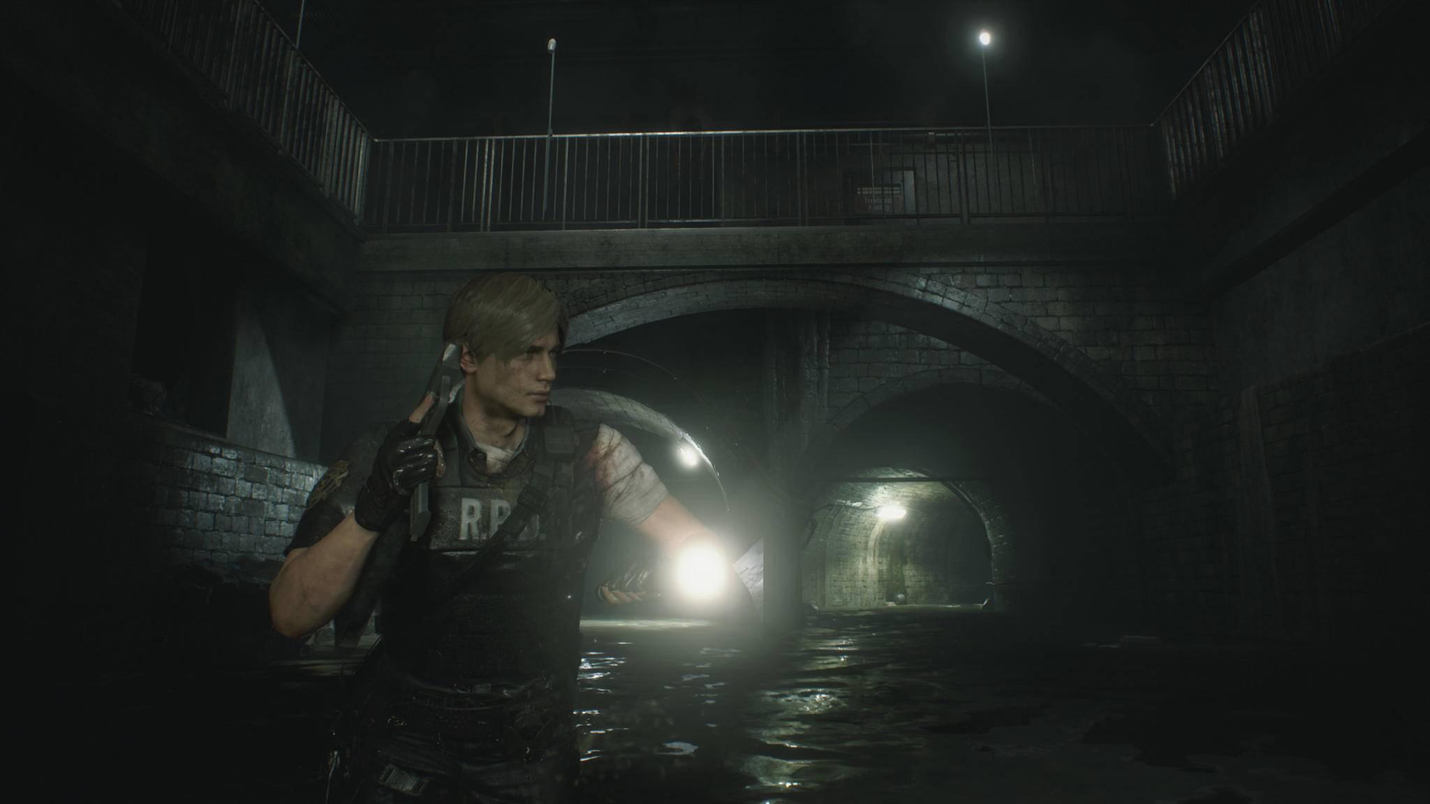 Trotz Taschenlampe: Leon kann den Herz-Schlüssel lange suchen!