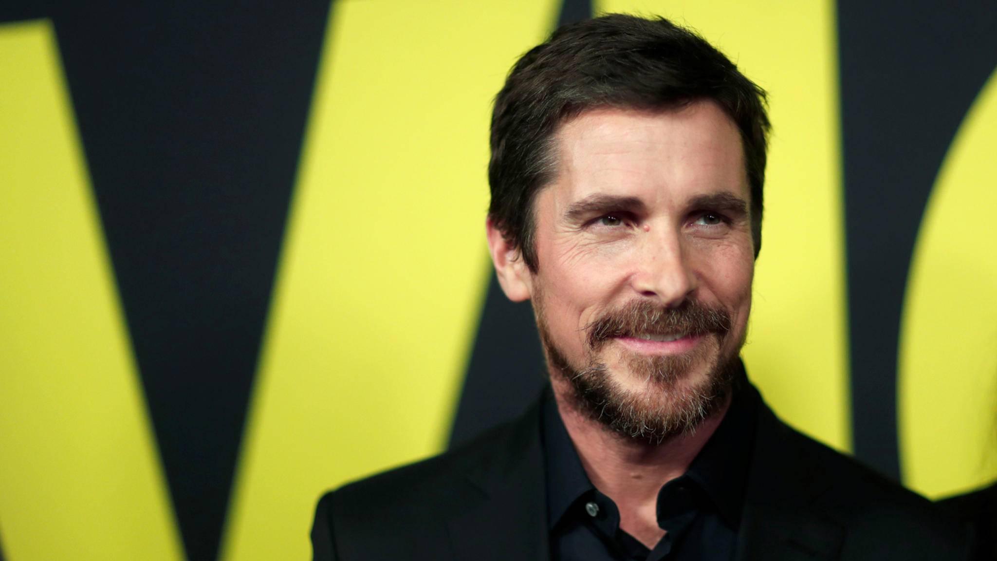 Ob dick oder dünn oder ein echtes Muskelpaket: Christian Bale ist mit vollem Körpereinsatz dabei.
