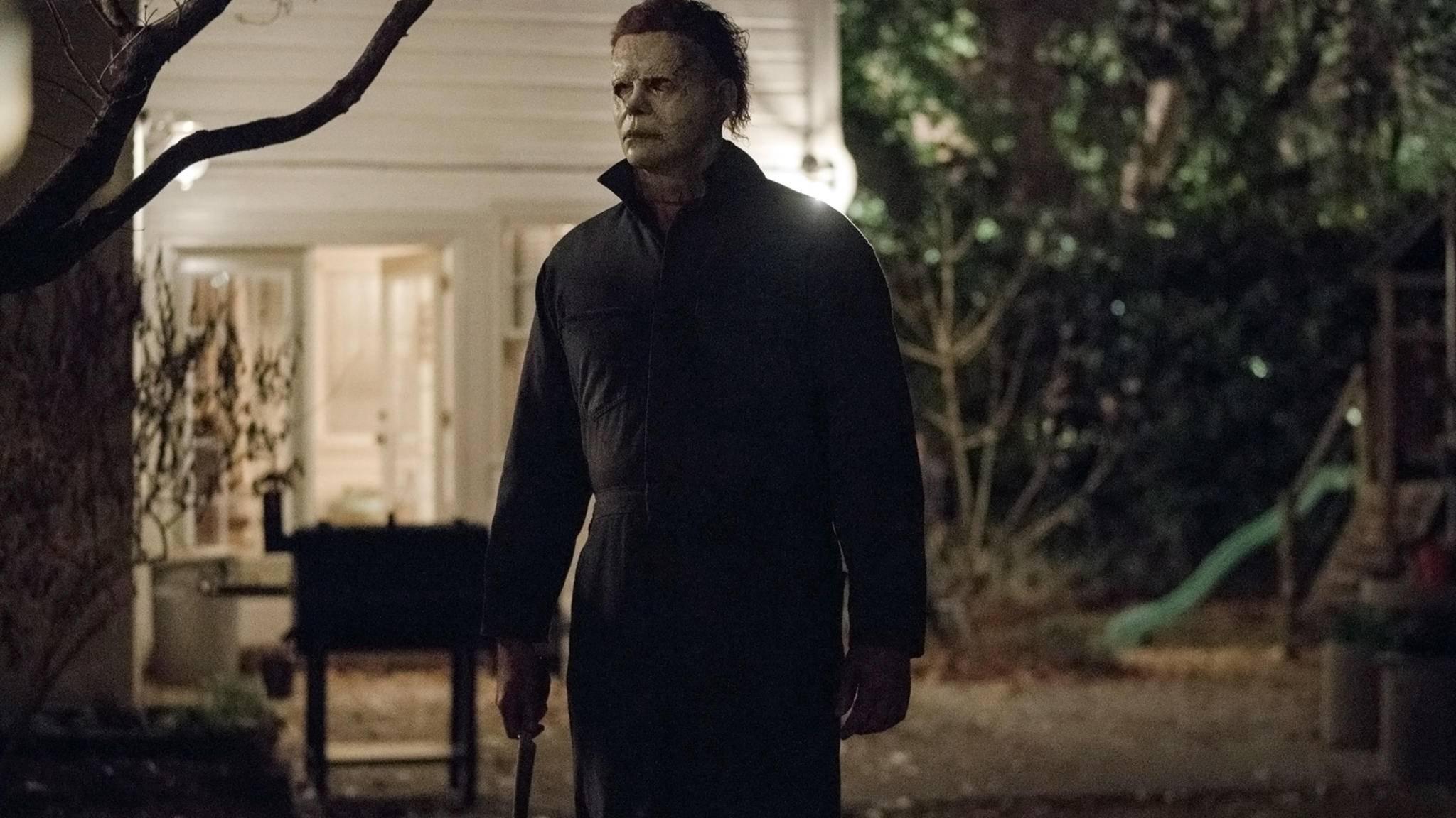 """Michael Myers darf in """"Halloween Kills"""" einer weiteren alten Bekannten nachjagen ..."""