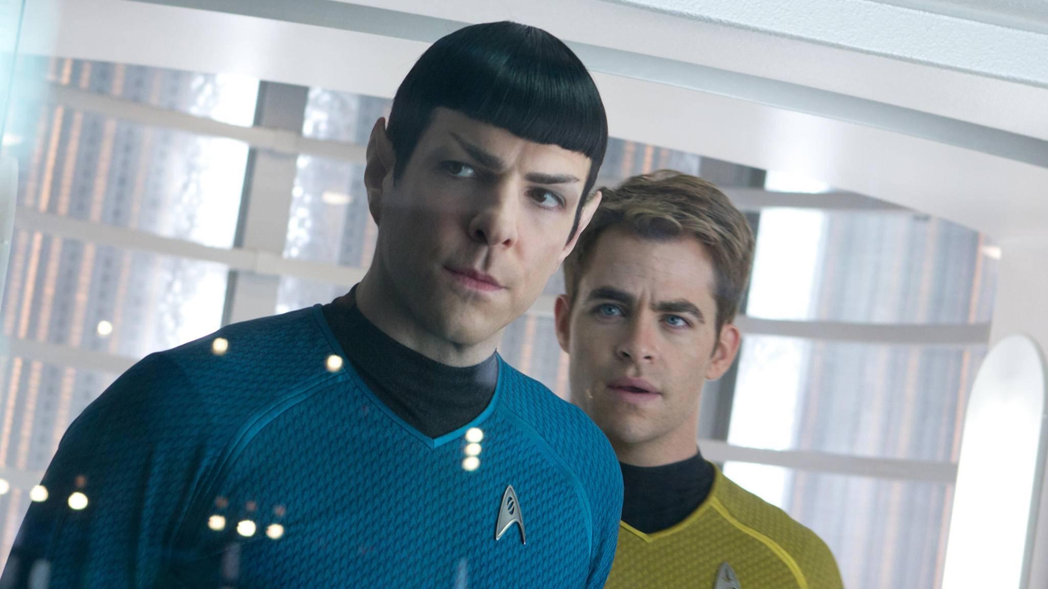 Ob Commander Spock (Zachary Quinto) und Captain Kirk (Chris Pine) wieder auf die Enterprise zurückkehren, steht in den Sternen.