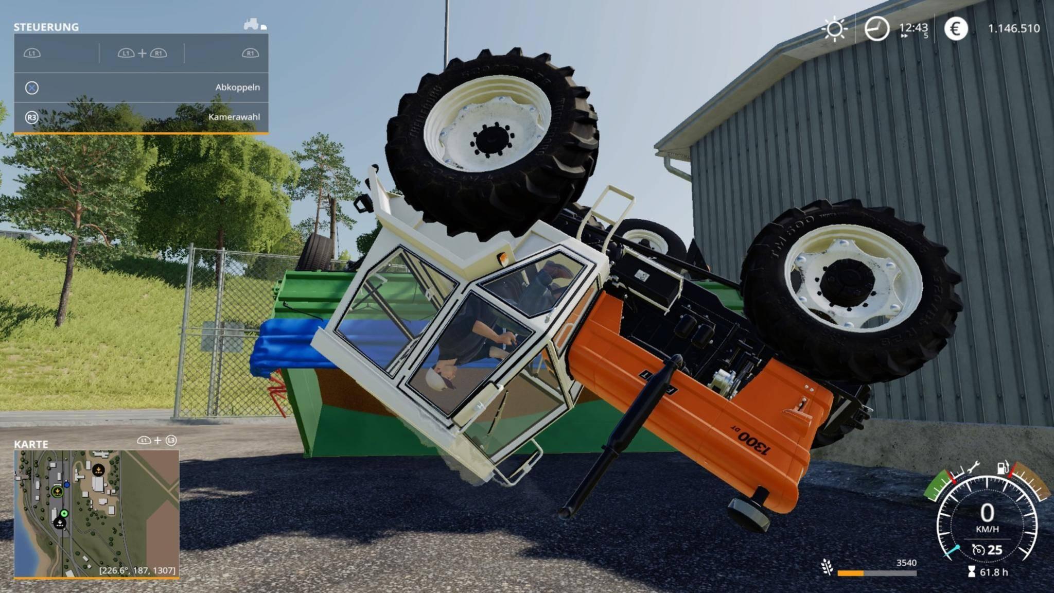 """Crash im """"Landwirtschafts-Simulator 19"""": Gut, dass die Ladung im Hänger bleibt."""