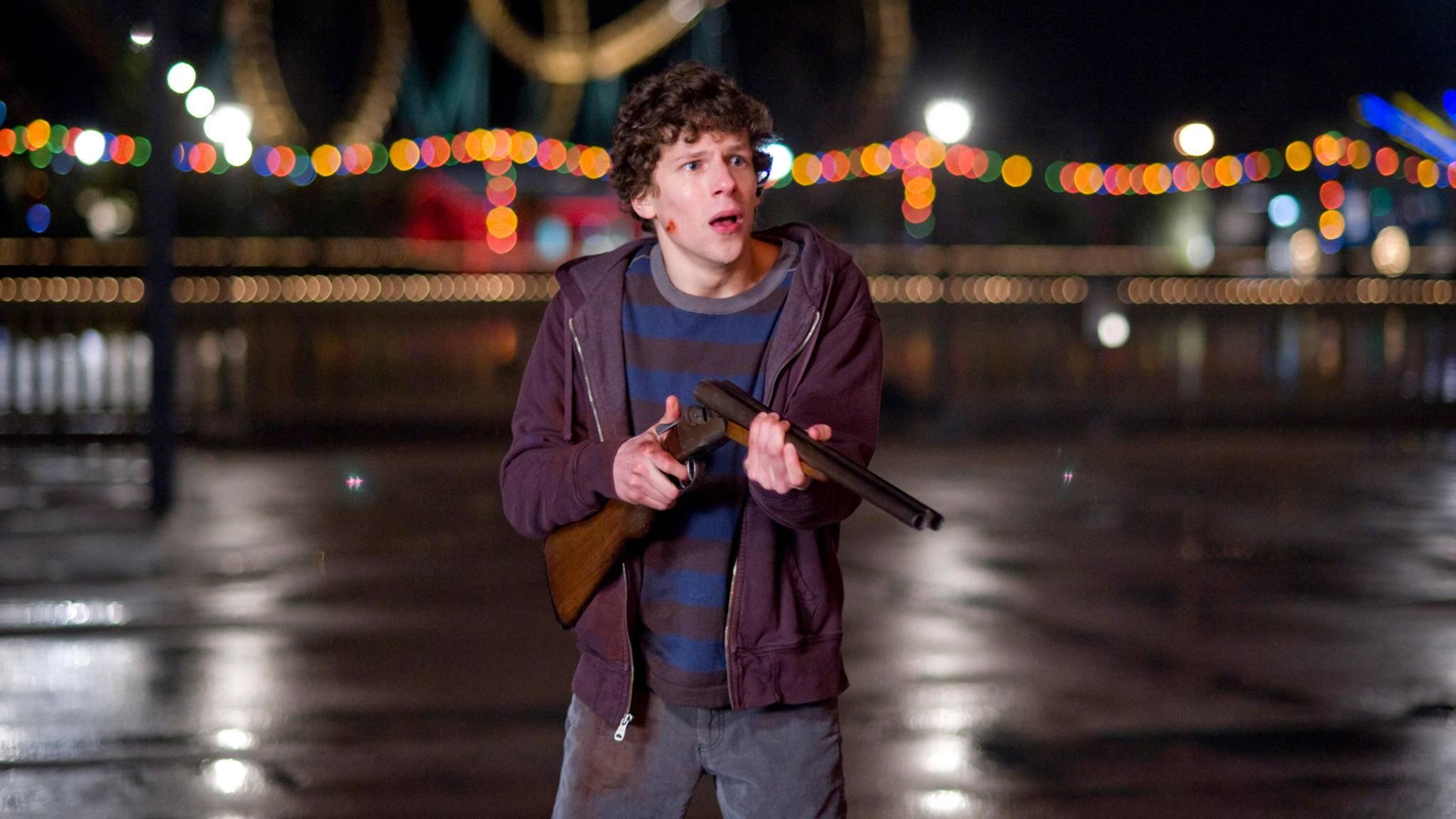 Jetzt heißt es aufpassen: Neue Zombies bedrohen Columbus (Jesse Eisenberg) und seine Gefährten.