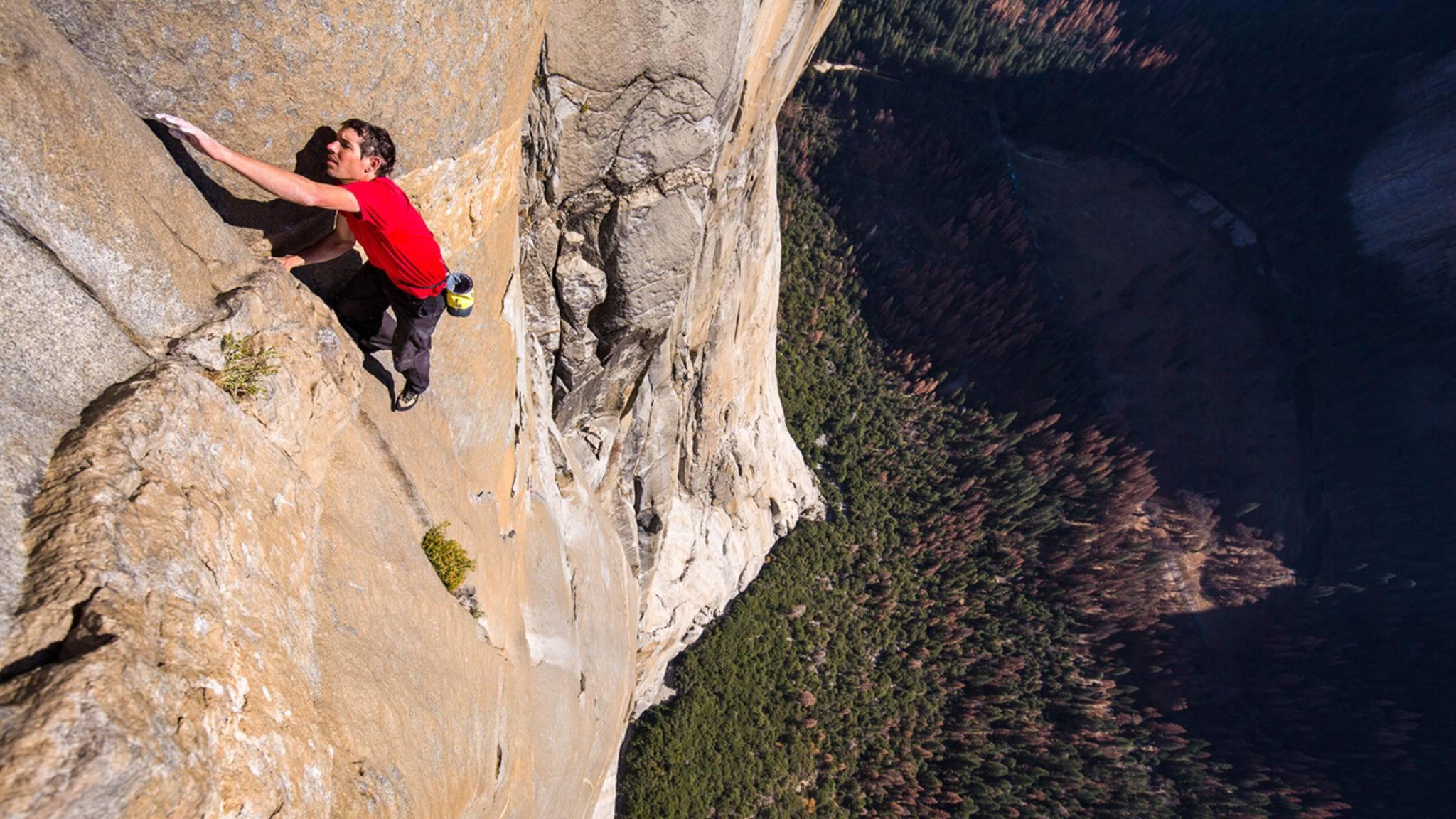 Alex Honnold hat El Capitan free solo bezwungen – und National Geographic hat einen Film drüber gemacht.