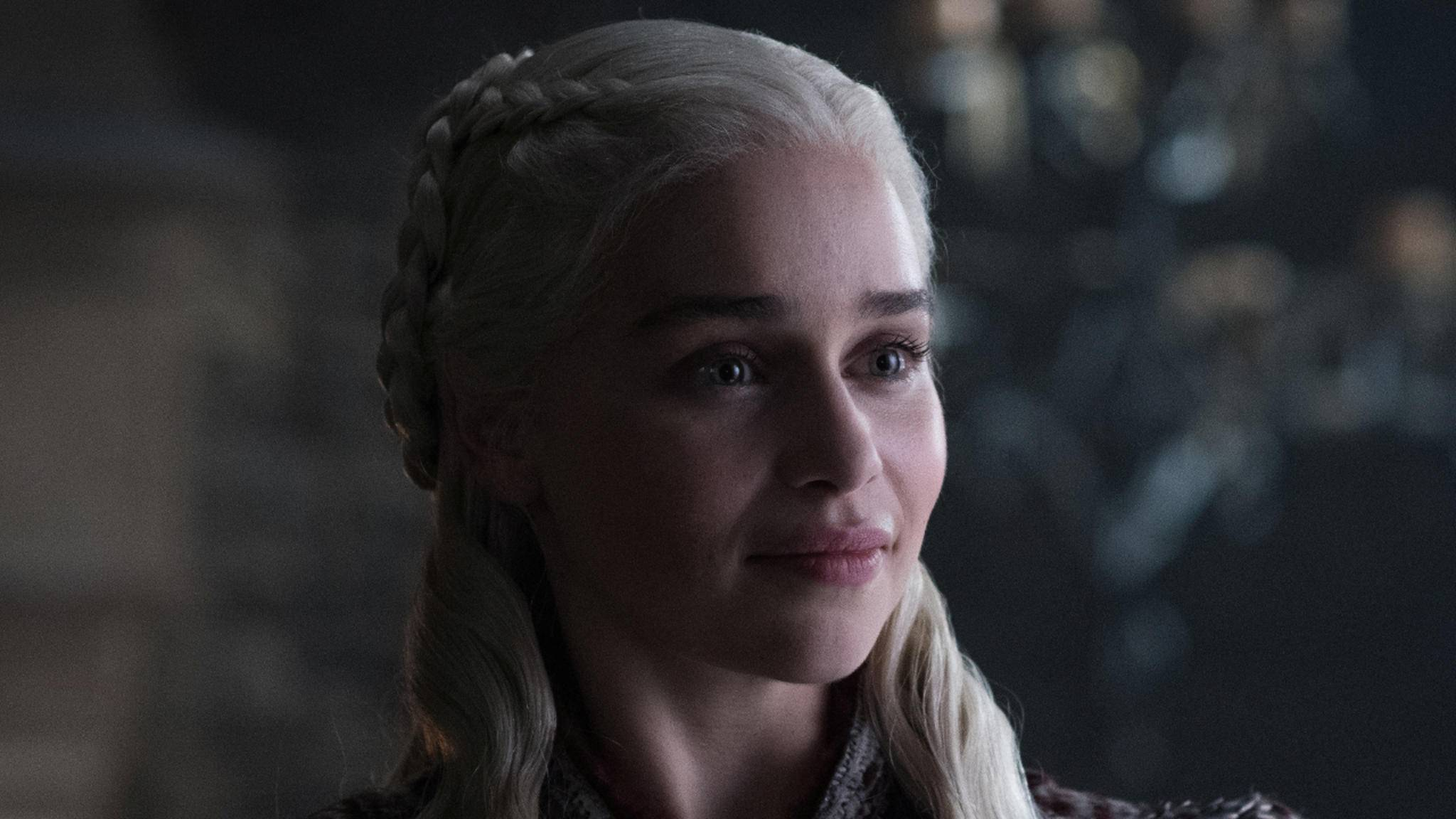 """Du denkst, Du kennst """"Game of Thrones""""? Dann weißt Du sicher auch, welche Augenfarbe Daenerys Targaryen (Emilia Clarke) eigentlich haben sollte – oder?"""