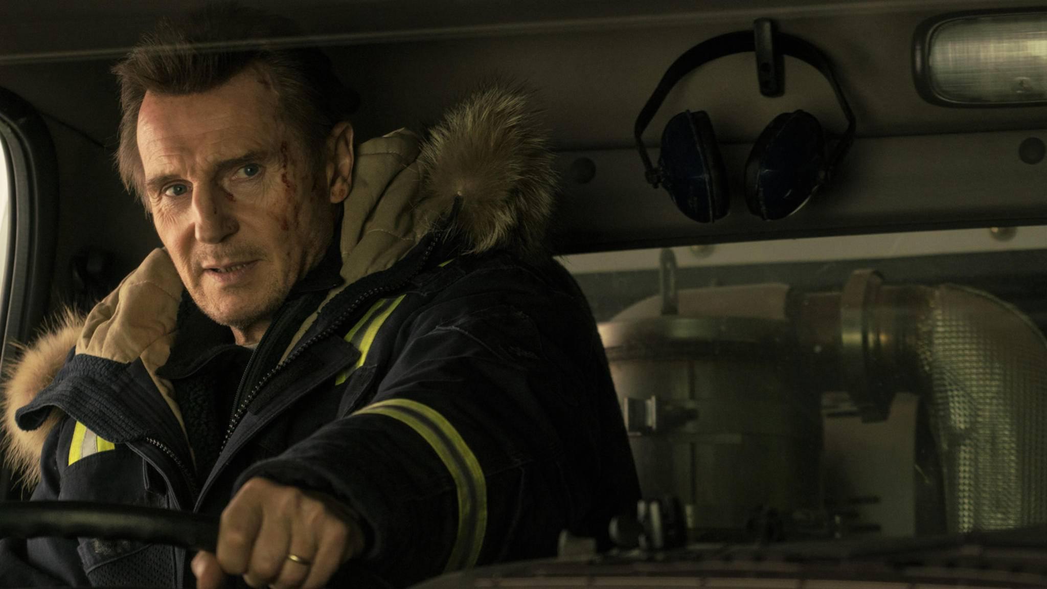 """In """"Hard Powder"""" wird Liam Neeson erneut zum rachsüchtigen Vater – dieses Mal hinterlässt er allerdings seine blutige Spur im Schnee."""
