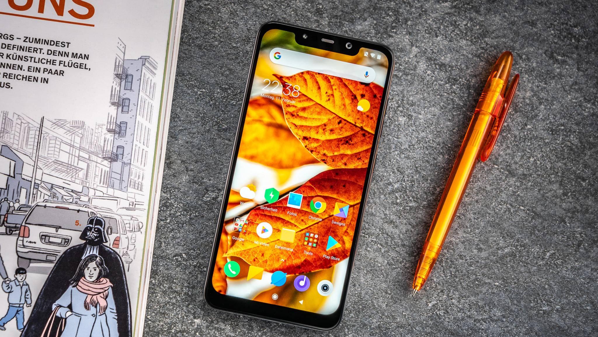 Das Xiaomi Pocophone F1 ist für ein Flaggschiff-Handy auffallend günstig.