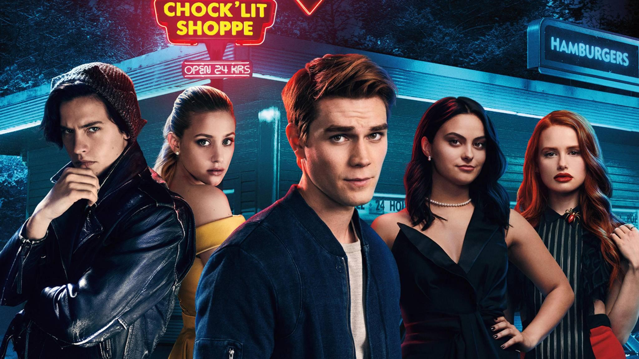 Der Entzug von Jughead, Betty, Archie, Veronica und Cheryl (von links) kann hart sein – wir haben deshalb nach ähnlichen Serien zur Ablenkung gesucht!