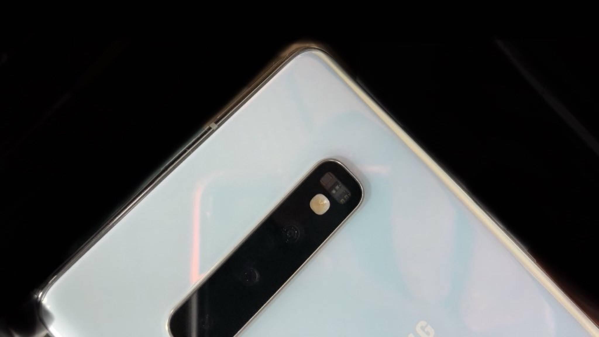 """Das Samsung Galaxy S10 wird voraussichtlich auch in dieser """"Pearl White""""-Farbe erhältlich sein."""