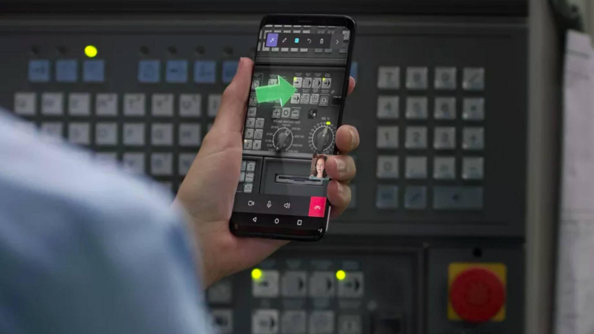 Die Remote-Assist-App ist genau richtig, wenn Du einmal nicht weißt, welchen Knopf Du drücken sollst.