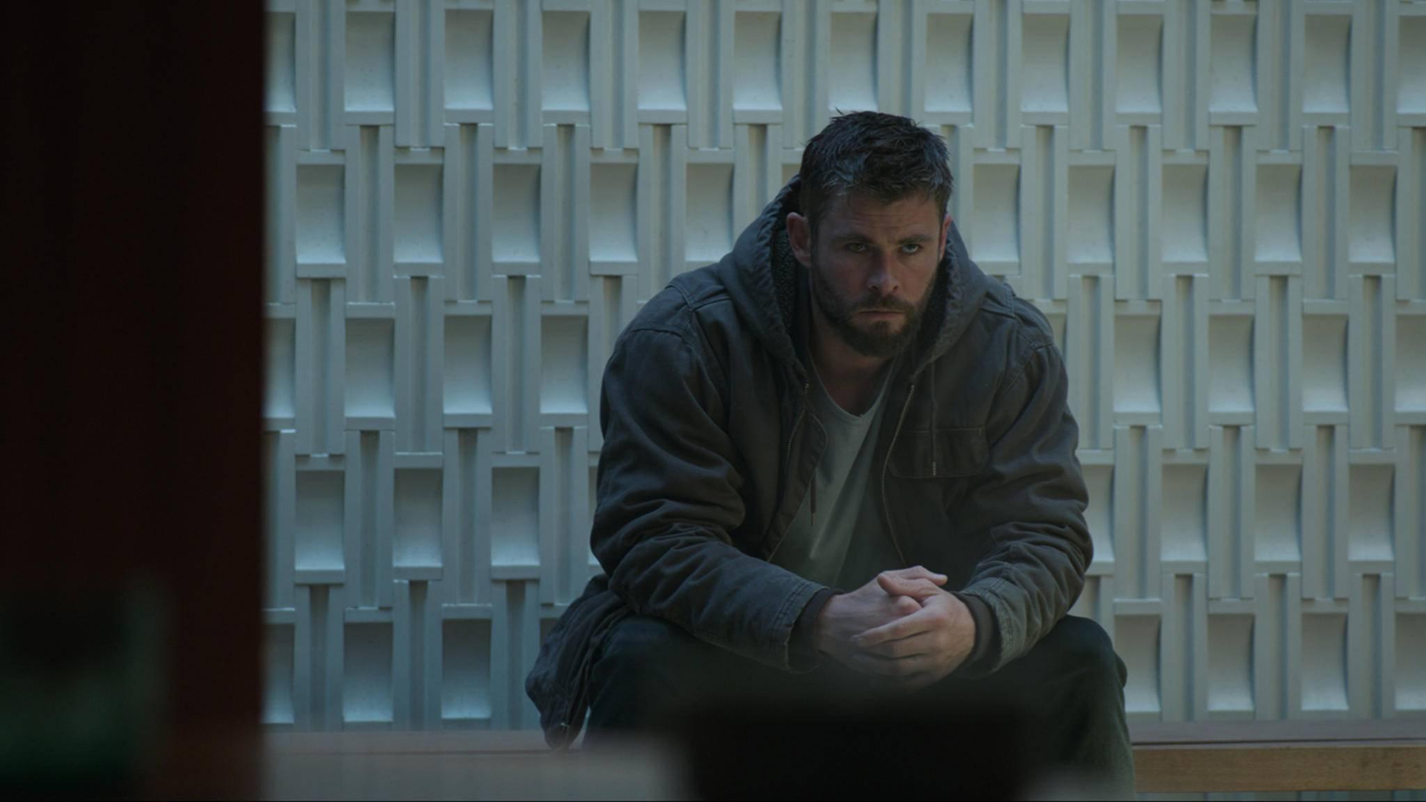 Mein rechter, rechter Platz ist frei ... Thor-Darsteller Chris Hemsworth war unter den anwesenden Stars. Doch rings um ihn und seine Kollegen waren leere Stühle zu finden.