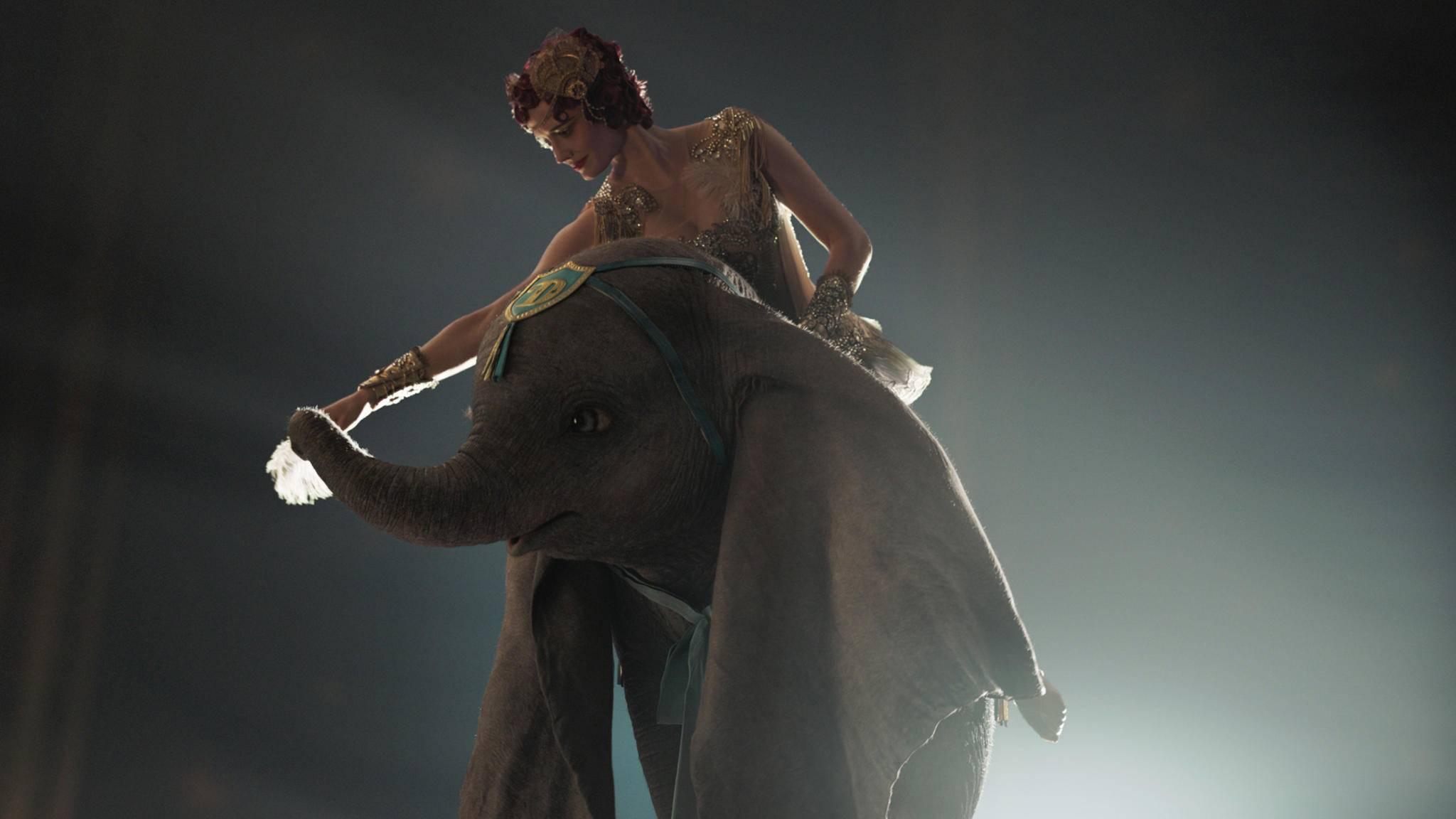 Dumbo kehrt so niedlich wie nie auf die Kinoleinwand zurück.