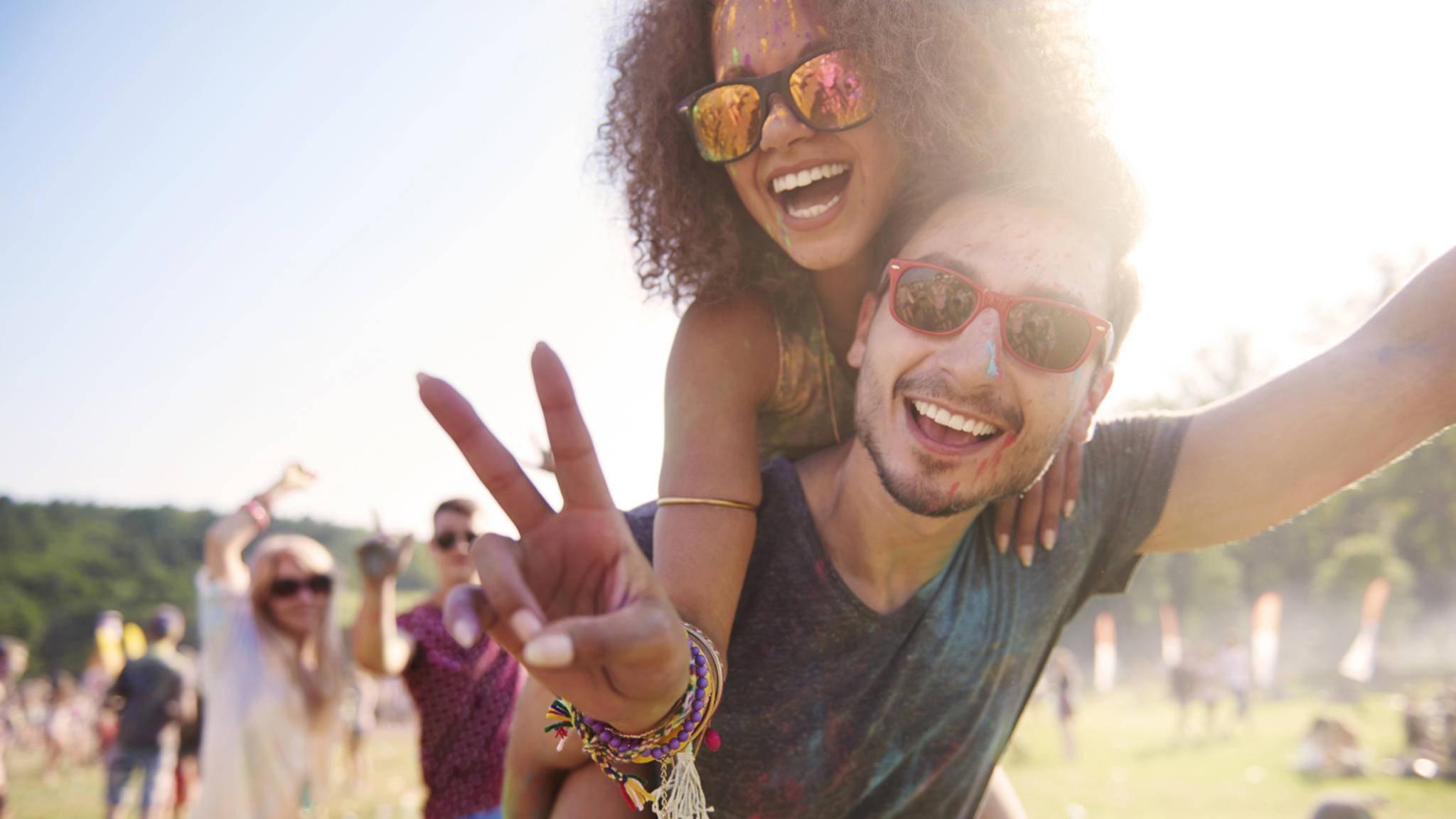 Du brauchst noch eine passende Begleitung für das nächste Konzert oder Festival? Dating-App Swoonbox soll schon bald bei der Suche helfen.