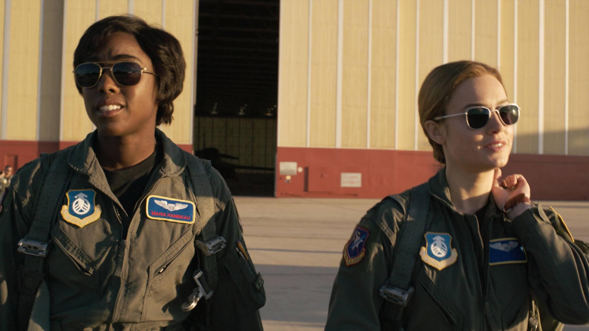 """Ein """"Captain Marvel""""-Star wird zu 007. Ist es Lashana Lynch (links) oder Brie Larson?"""