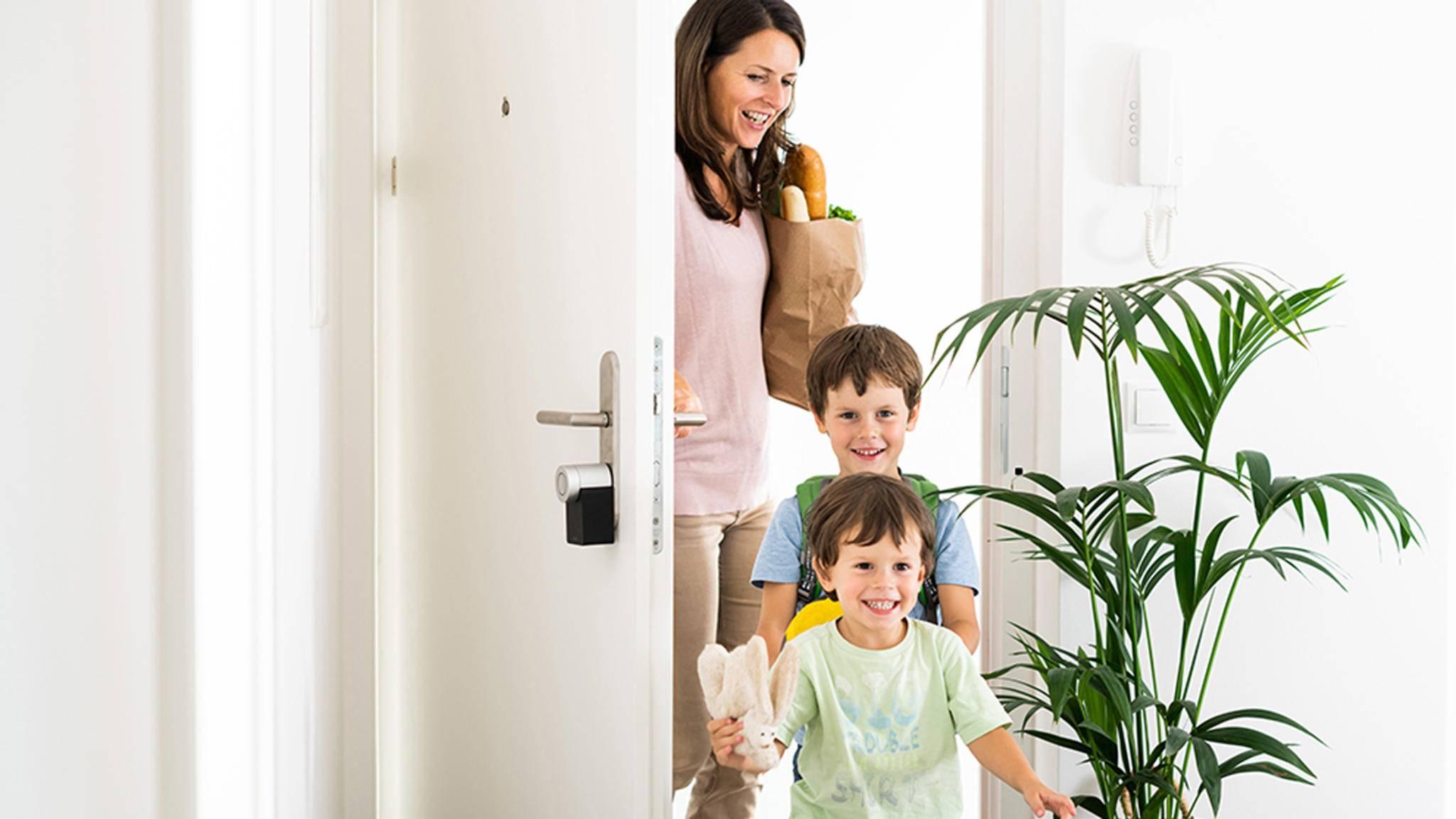 Smarte Türschlösser wie das Smartlock 2.0 von Nuki machen Deine Haustür fit für das 21. Jahrhundert.
