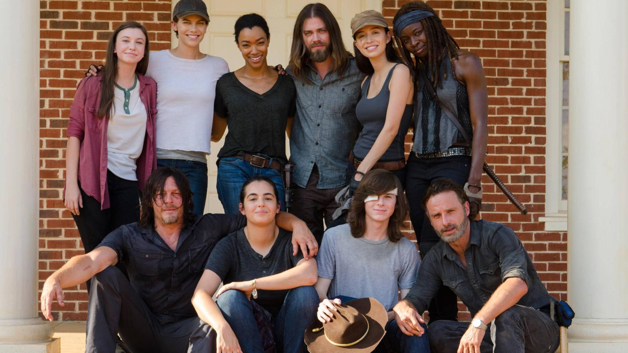 """Welche Schauspieler verkörpern eigentlich Maggie, Rick und Co.? Wir stellen Dir die Besetzungen der """"The Walking Dead""""-Figuren vor."""