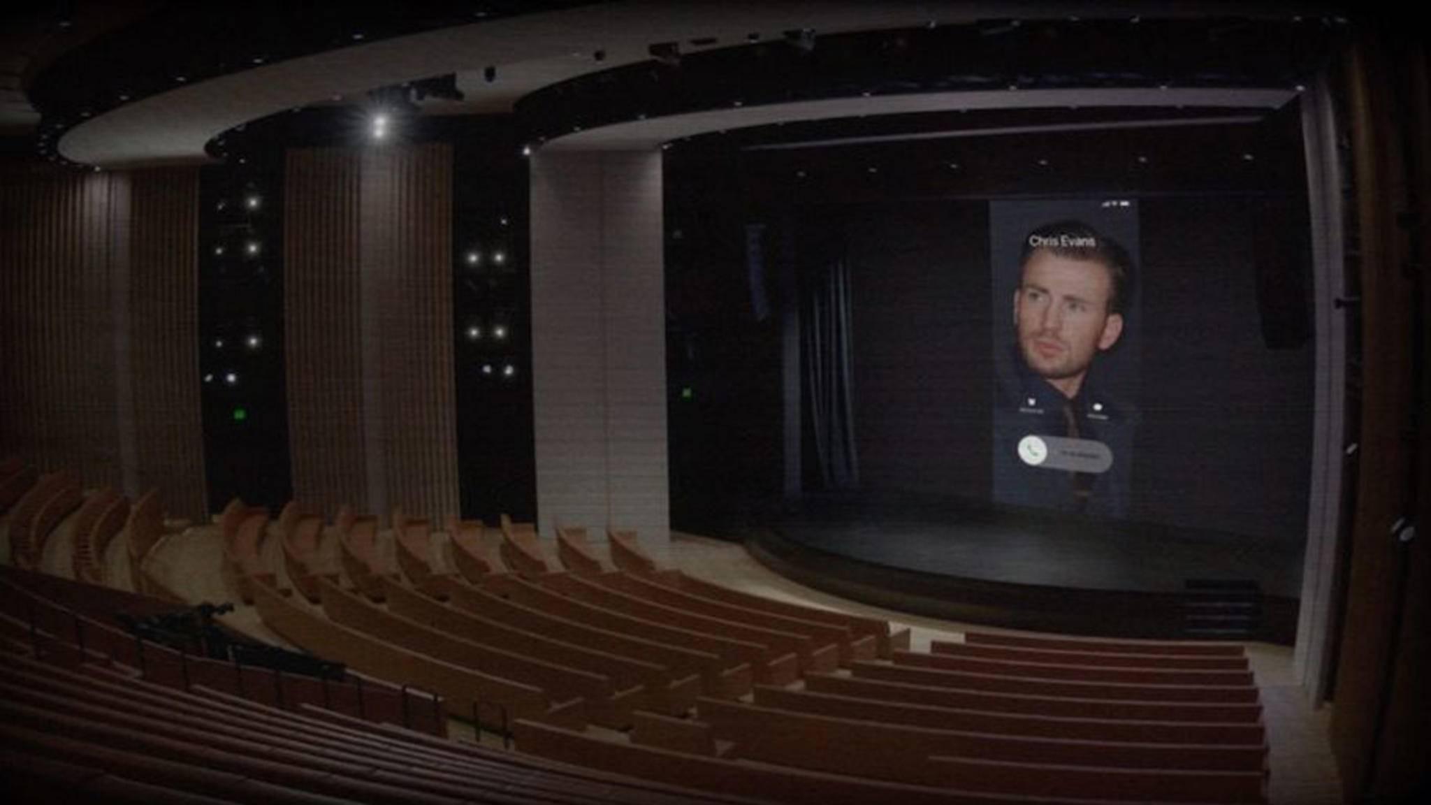 Auch Hollywoodstar Chris Evans lässt es sich nicht nehmen, zwischendurch bei Apple anzurufen.