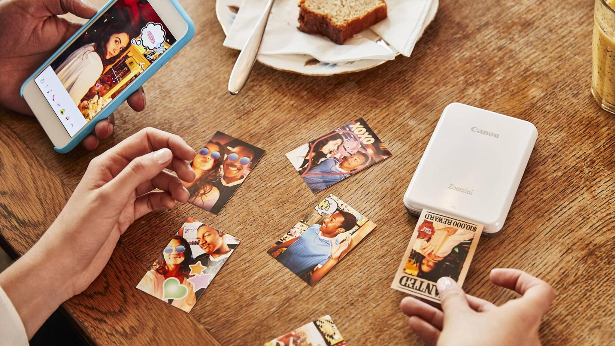 Mit kompakten Fotodruckern kannst Du Deine Bilder schnell und zuverlässig selbst drucken.