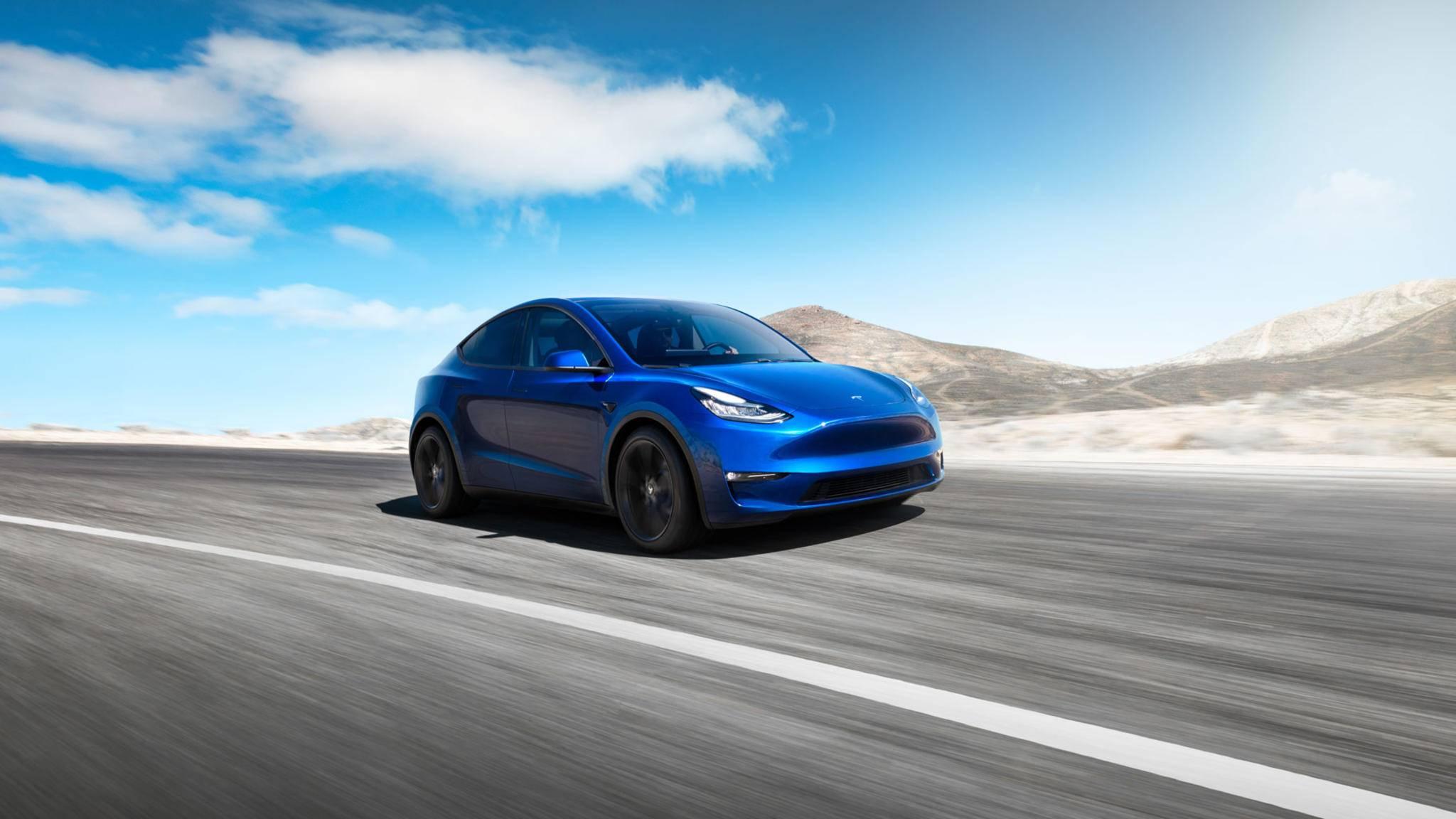 Das neue Tesla Model Y erreicht Spitzengeschwindigkeiten bis zu 240 km/h und wird ab 2021 ausgeliefert.