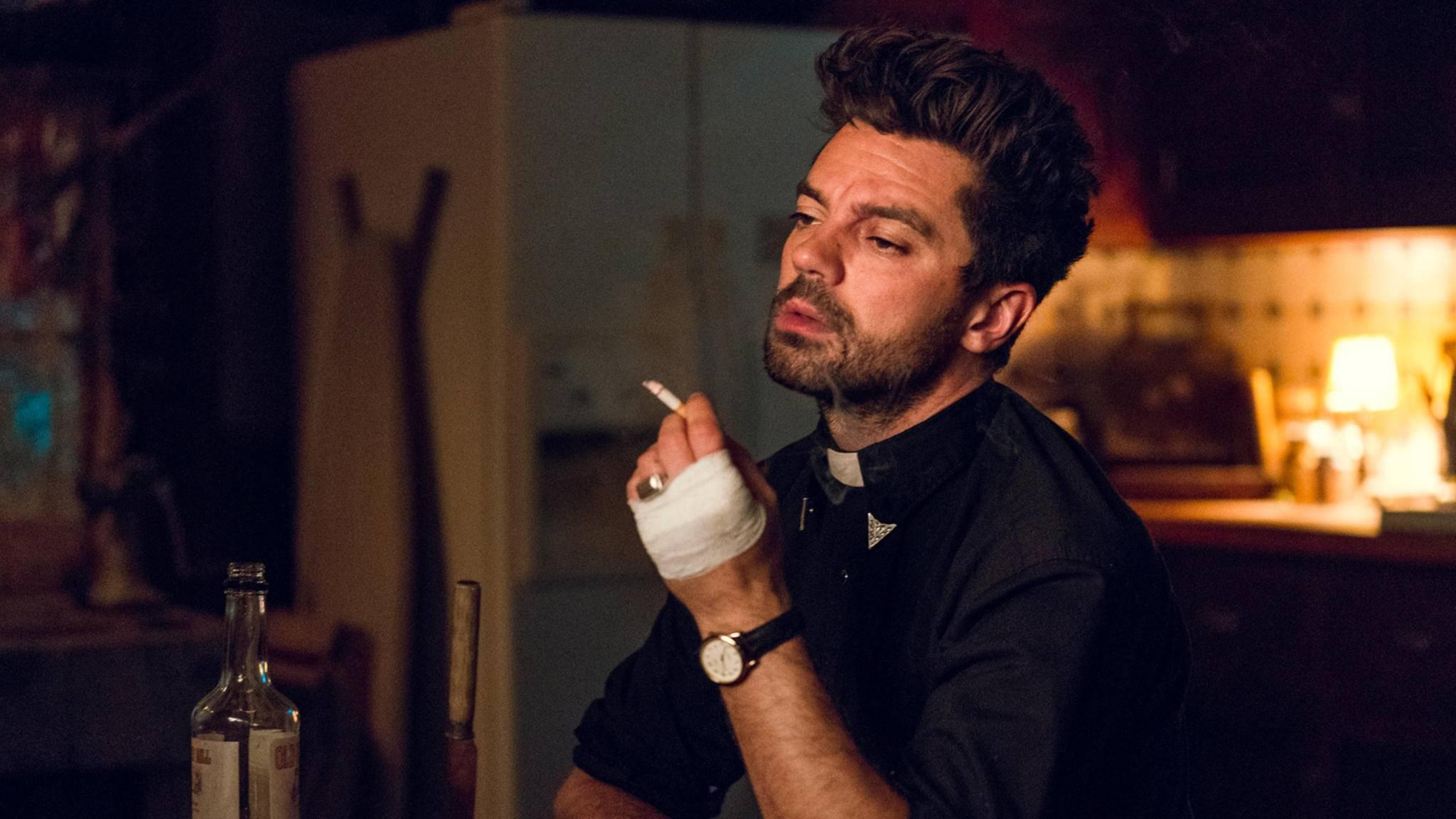Auf den Schock braucht Jesse erstmal eine Zigarette ...