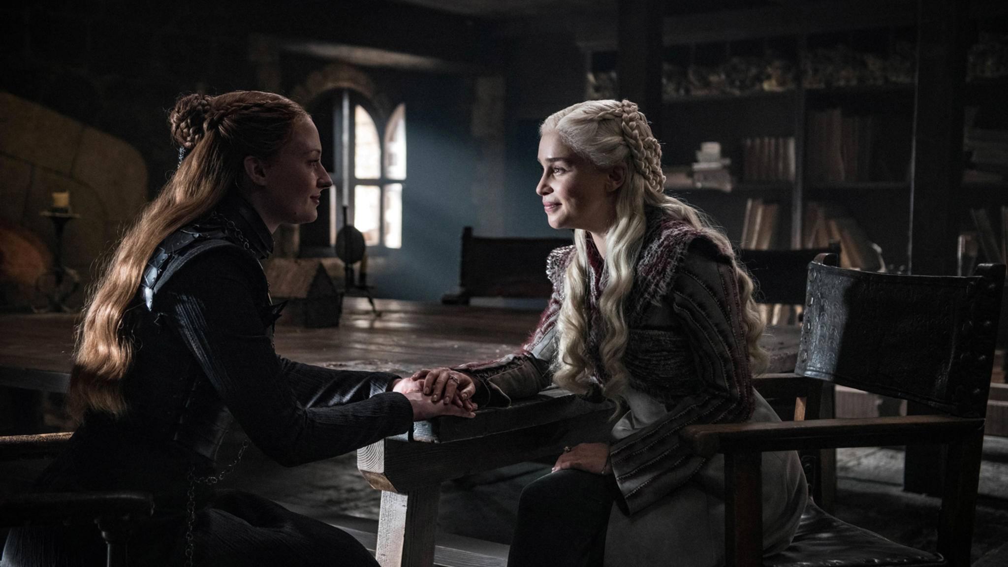 Der Schein trügt: Die Darstellerinnen von Sansa und Daenerys haben es faustdick hinter den Ohren.