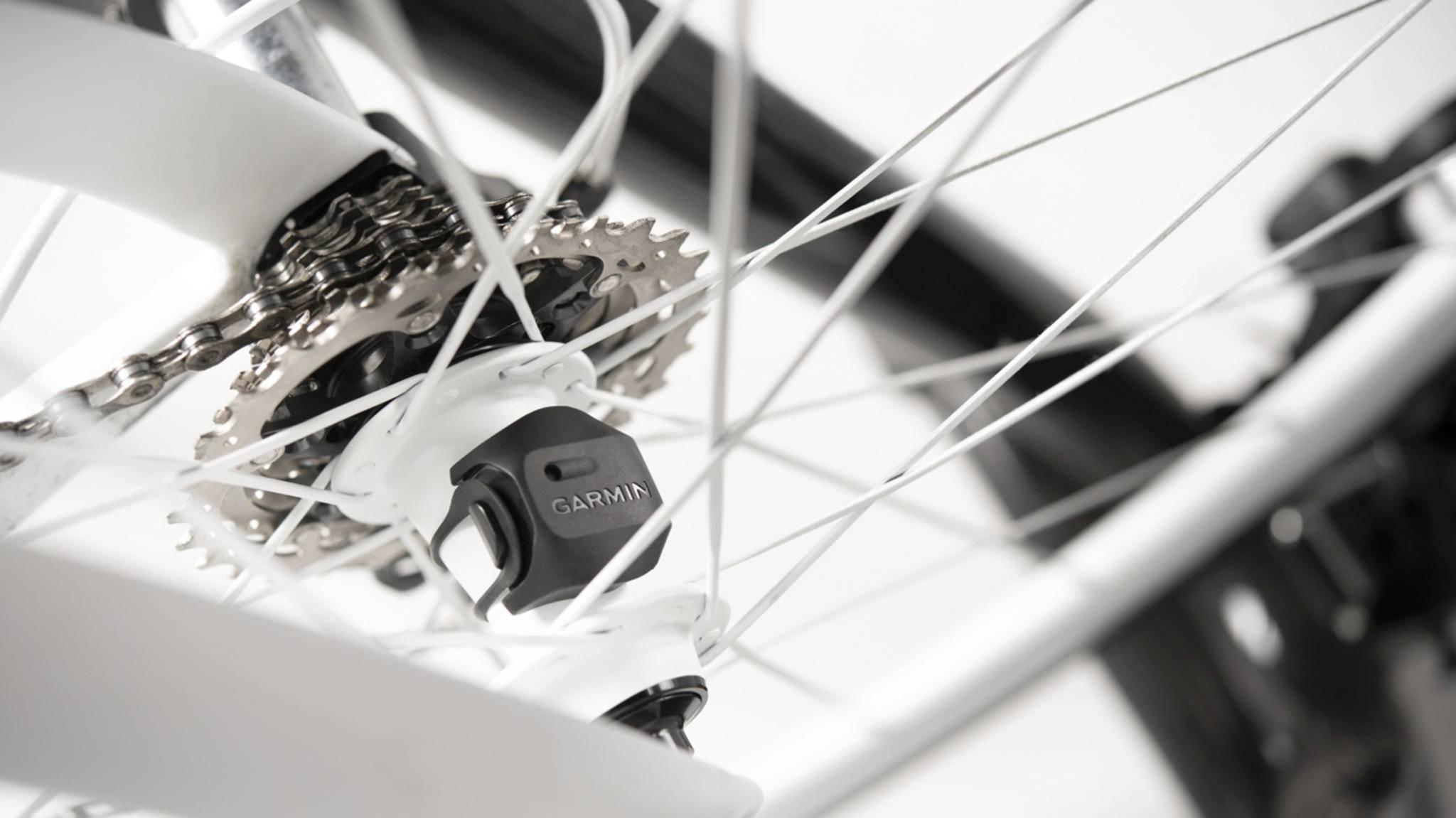 Der Geschwindigkeitssensor von Garmin misst jetzt auch ohne Fahrradcomputer, wie schnell Biker unterwegs sind.