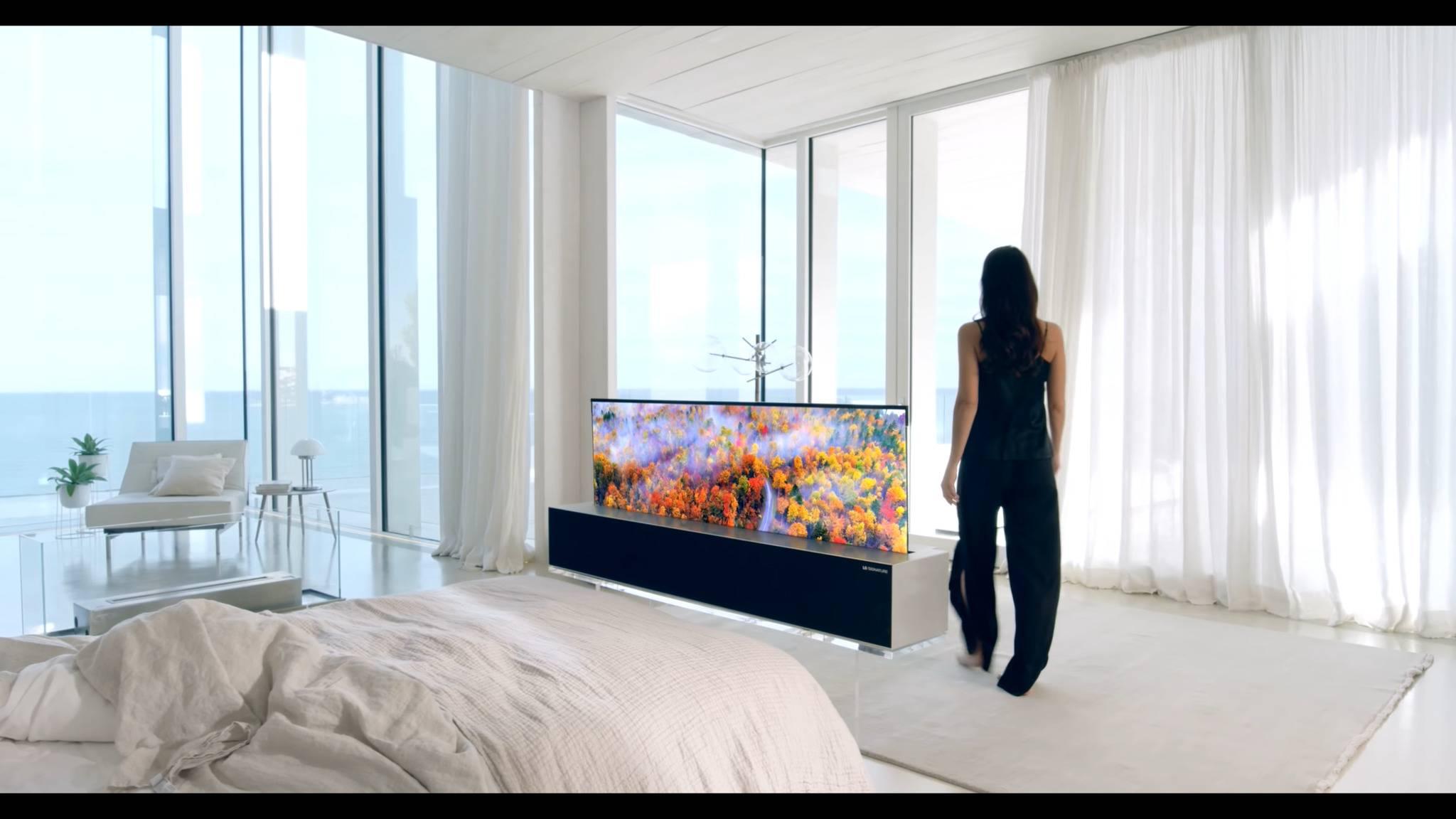 Der schon länger von Messen bekannte rollbare OLED-TV von LG hat einen Preis erhalten.