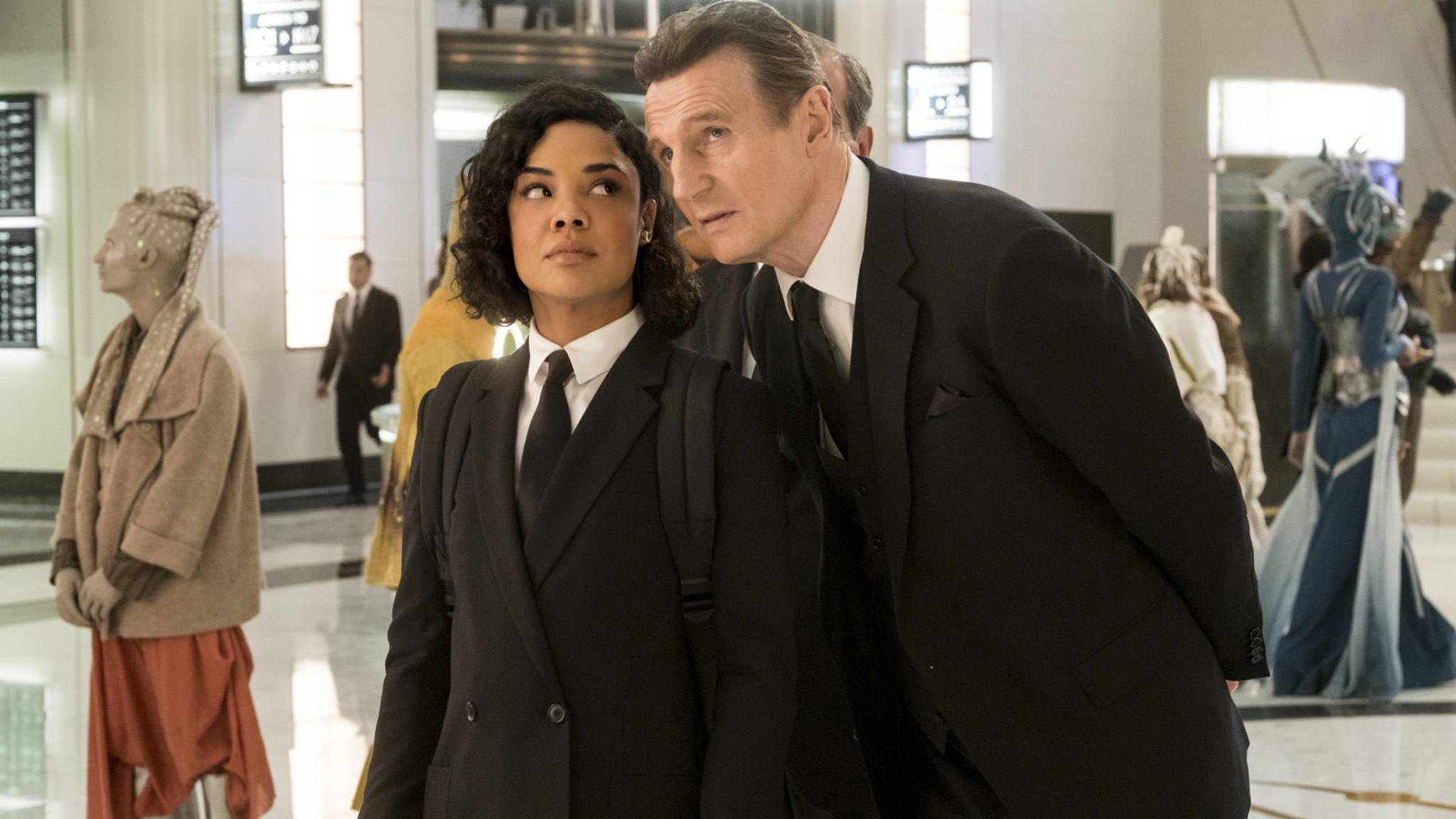 """Ein Franchise kommt selten allein: Liam Neeson mischt nach """"Men in Black"""" auch bei """"Kingsman"""" mit."""