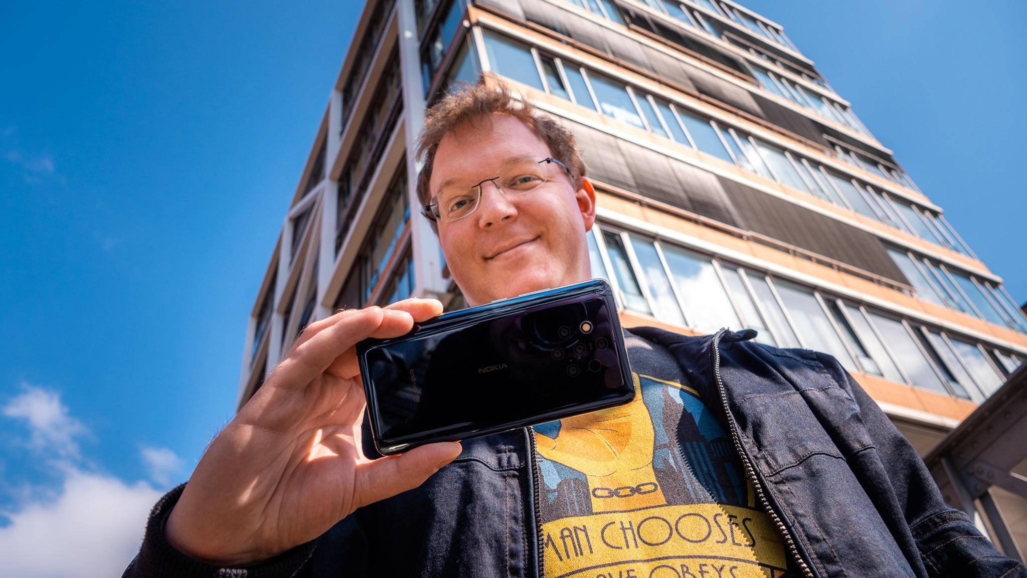 Das Nokia 9 PureView möchte ein revolutionäres Kamera-Smartphone sein.