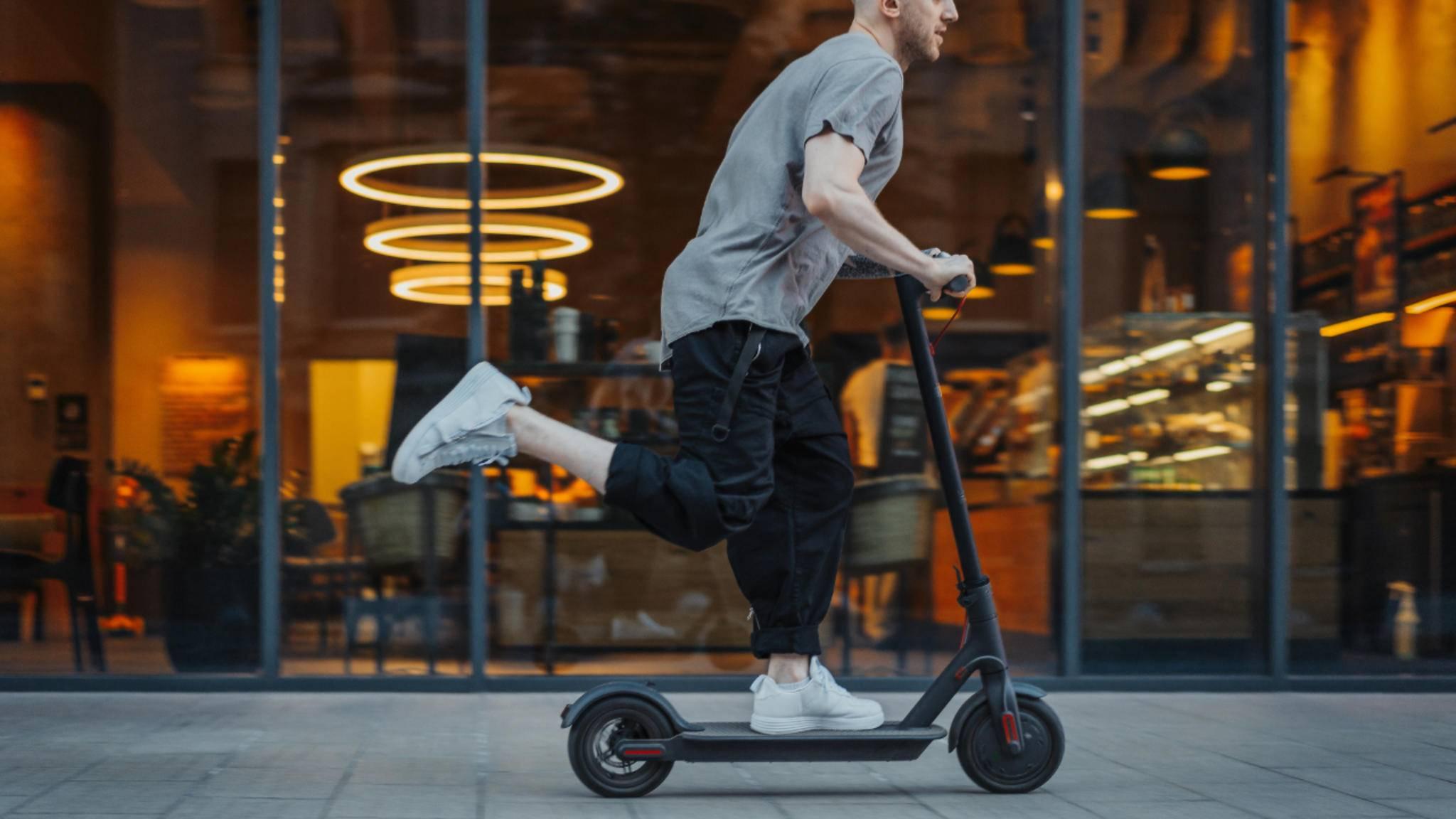 E-Scooter dürfen maximal 20 km/h schnell sein.