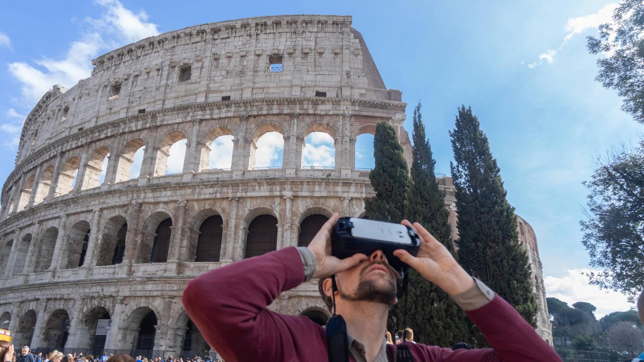 Willkommen im Gestern: Wer Rom zu Zeiten der alten Römer erleben will, kann in der italienischen Metropole mittlerweile auch eine geführte VR-Tour buchen.