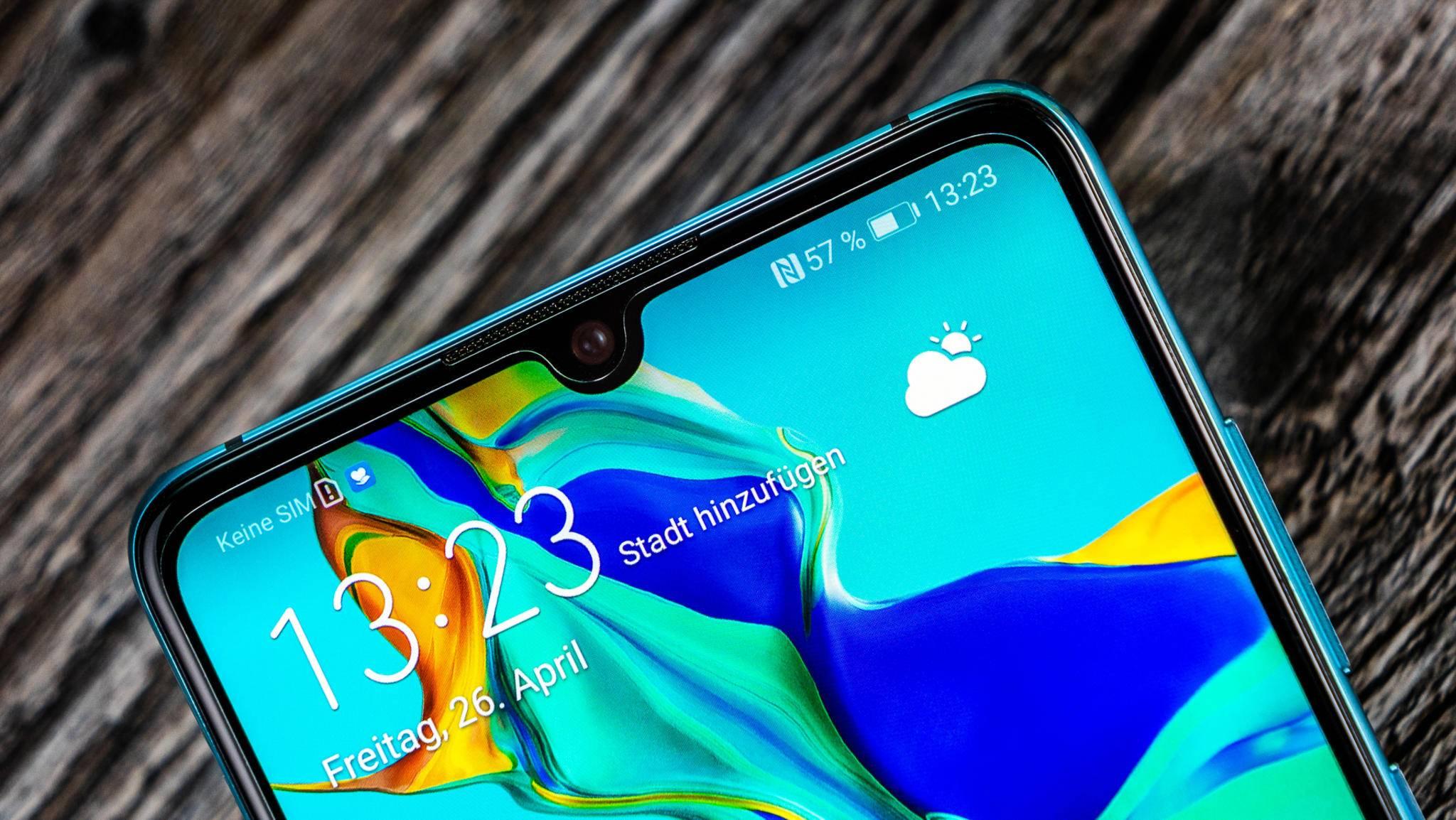 Auf verschiedenen Huawei-Smartphones taucht seit Kurzem Booking.com-Werbung auf dem Sperrbildschirm auf.