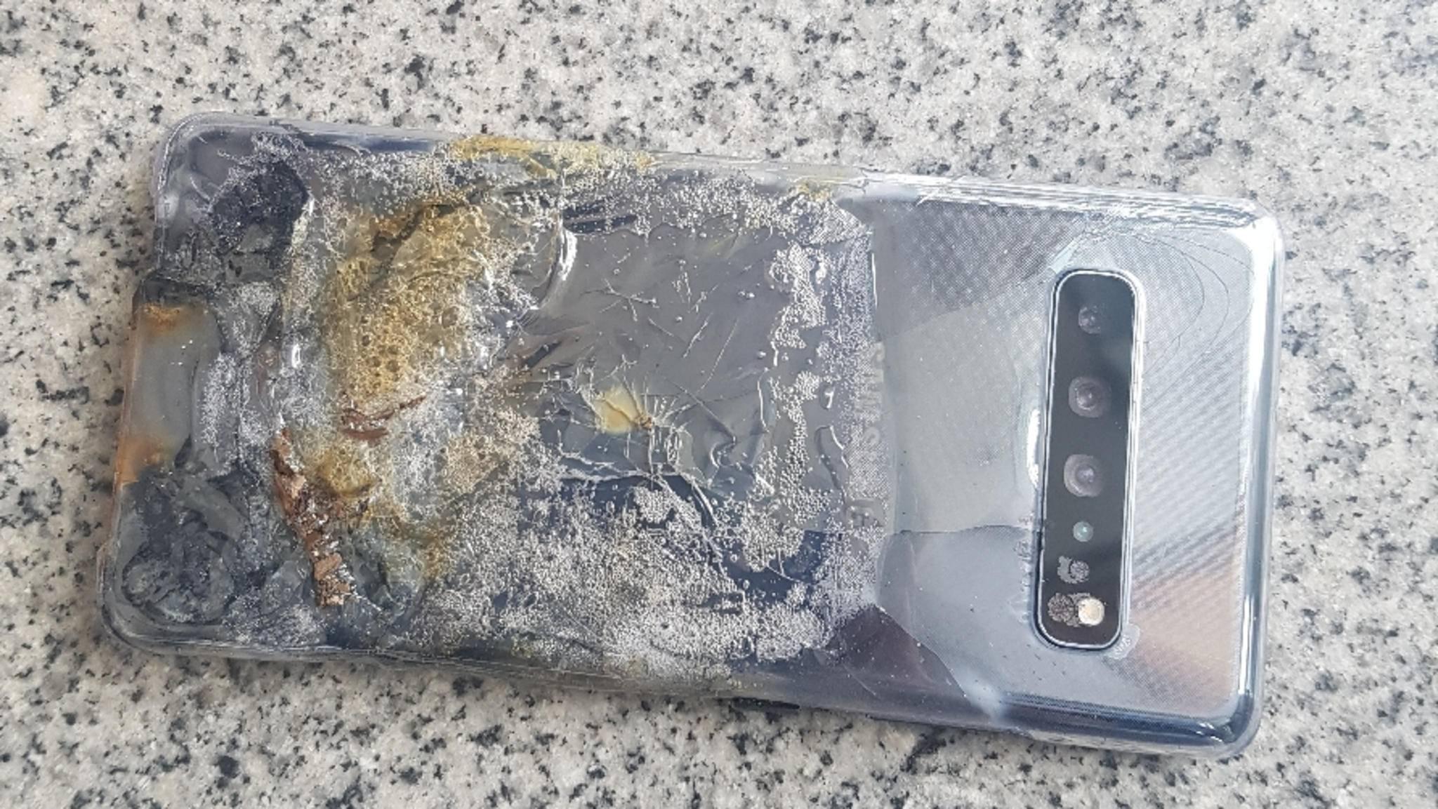 Dass das Galaxy S10 5G soll einfach so explodiert sein soll, kann Samsung nicht glauben.