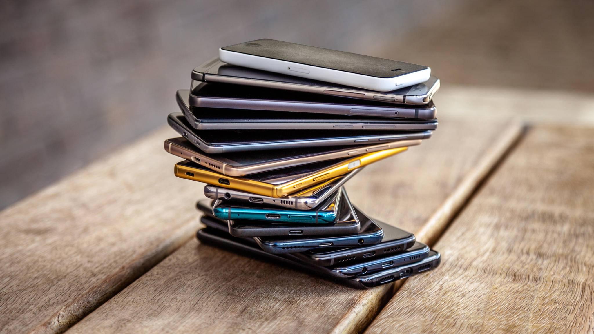 Viele Deutschen kaufen jährlich ein neues Smartphone – Recycling ist längst nicht für alle ein Thema.