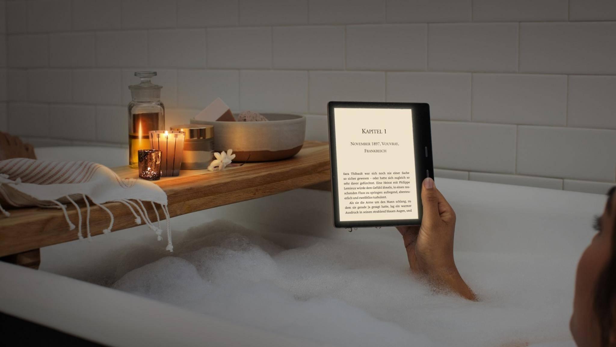 Der Farbtemperaturregler des neuen Kindle Oasis soll das Lesen im Dunkeln angenehmer machen.