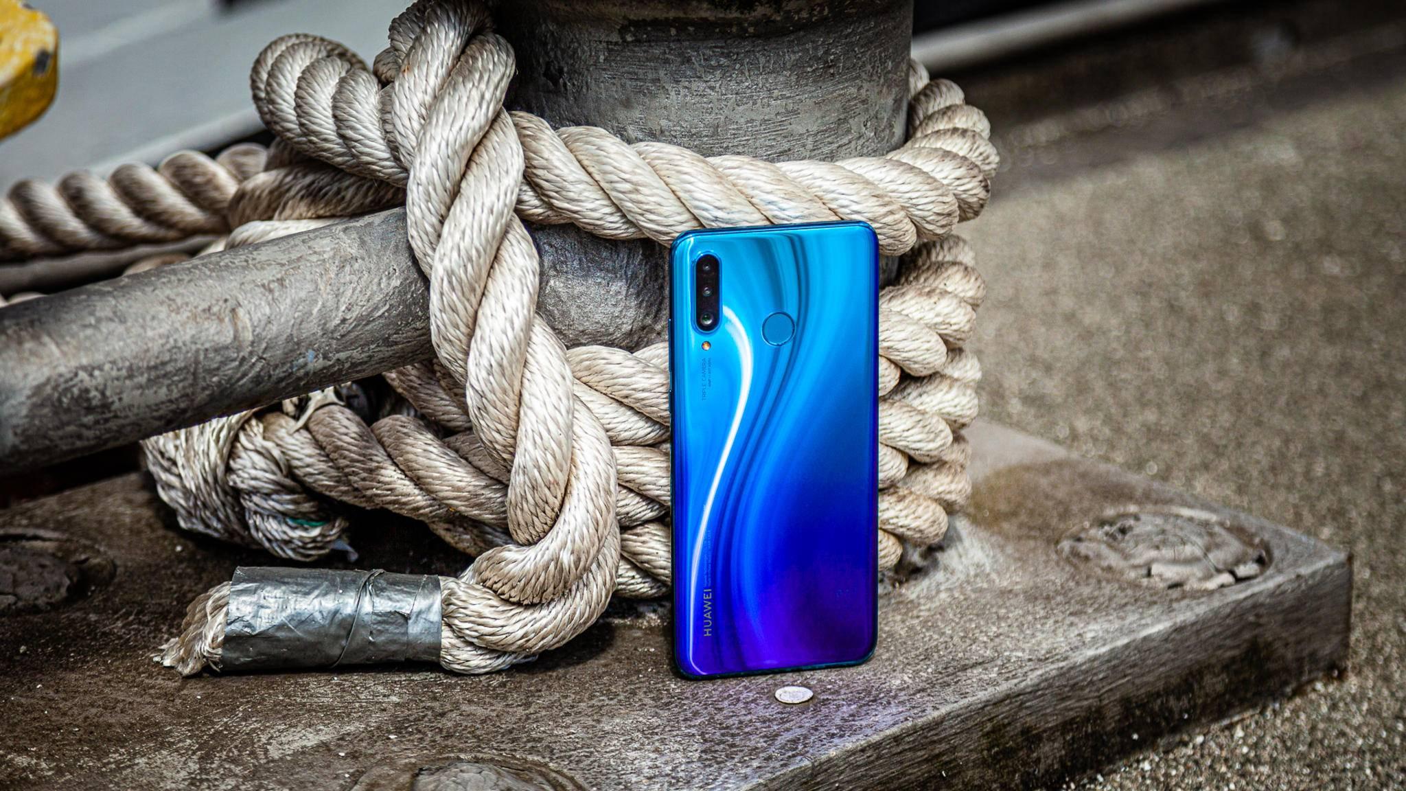 Einige US-Unternehmen liefern wieder Chips an Huawei für Smartphones und andere Geräte (hier das P30 Lite).