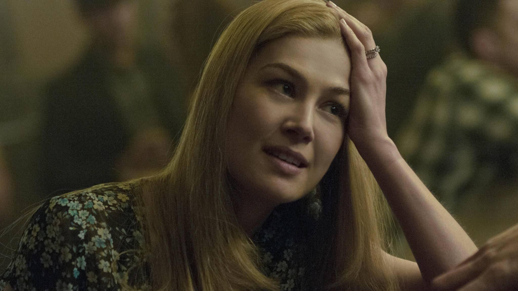 """Rosamund Pike wird in """"Das Rad der Zeit"""" zur mächtigen Magierin."""