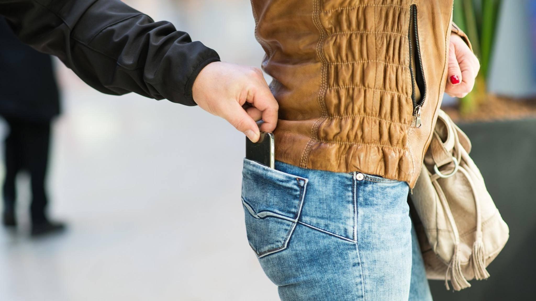 Egal, ob Du Dein Smartphone verloren hast oder es geklaut wurde: Dieser Ratgeber sagt Dir, was zu tun ist.
